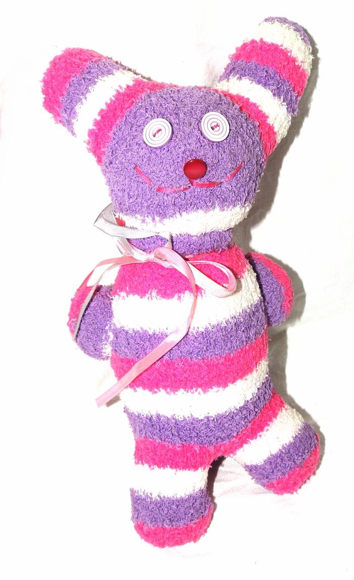 Авторская игрушка - носуля YusliQ Заяц. Ручная работа. kuri14kuri14Авторская игрушка носуля Заяц. kuri14 из серии Тотем - яркая авторская игрушка, искрящаяся позитивом и отличным настроением, станет необычным и прекрасным сюрпризом для друзей и знакомых!