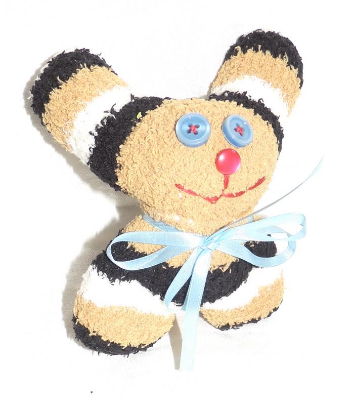 Авторская игрушка - носуля YusliQ Маленький заинька. Ручная работа. kuri29kuri29Авторская игрушка носуля Маленький заинька. kuri29 из серии Тотем - яркая авторская игрушка, искрящаяся позитивом и отличным настроением, станет необычным и прекрасным сюрпризом для друзей и знакомых!