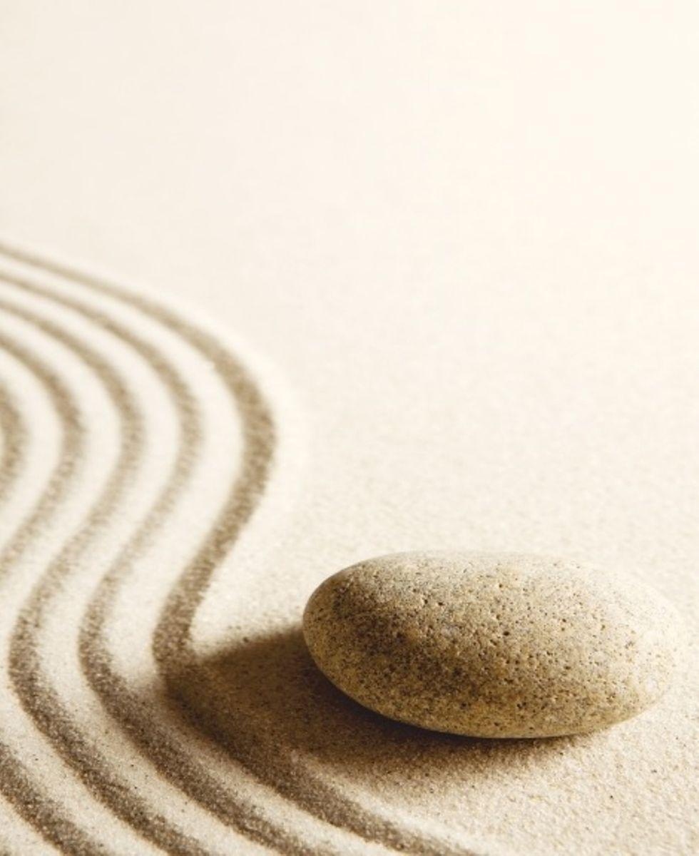 Штора для ванной комнаты Vanstore Песок, с кольцами, 180 х 180 см620-18Штора Vanstore Песок выполнена из полиэстера и оформлена изображением песка и камня. Она надежно защитит от брызг и капель пространство вашей ванной комнаты в то время, пока вы принимаете душ. В верхней кромке шторы предусмотрены отверстия для пластиковых колец (входят в комплект). Привлекательный дизайн шторы наполнит вашу ванную комнату положительной энергией. Количество колец: 12 шт. Плотность: 100 г/м2.
