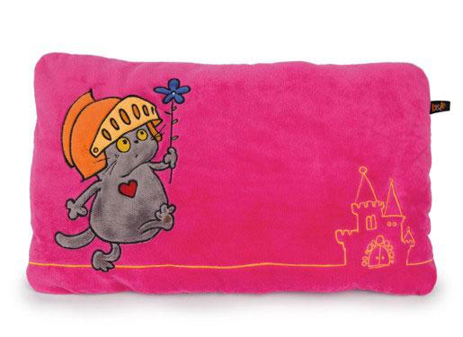 Basik & Ко Мягкая игрушка-подушка Кот Басик рыцарьKp30-042Мягкая и удобная подушечка с ярким принтом кот Басик рыцарь прекрасно дополнит ваш интерьер и станет незабываемым подарком родным и близким.