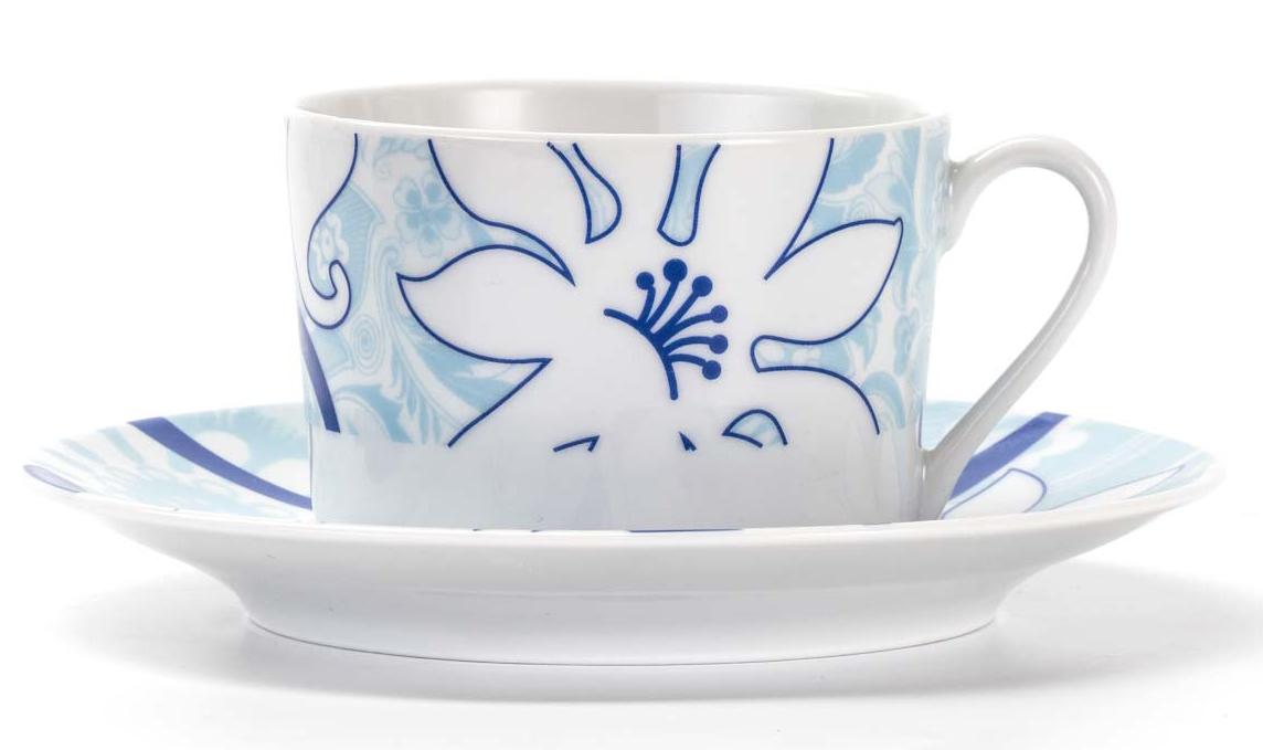 Набор чайных пар La Rose Des Sables Bleu Sky, 12 предметов539506 2230Фарфор производится в Тунисе из знаменитой своим качеством и белизной глины, добываемой во французской провинции Лимож. Преимущества этого фарфора заключаются в устойчивости к сколам и трещинам, что возможно благодаря двойному термическому обжигу. Данную серию можно использовать в СВЧ и посудомоечной машине. Данная посуда рассчитана на интенсивное использование. Лиможский фарфор не содержит включений тяжелых металлов, что соответствует мировым и российским санитарным требованиям.