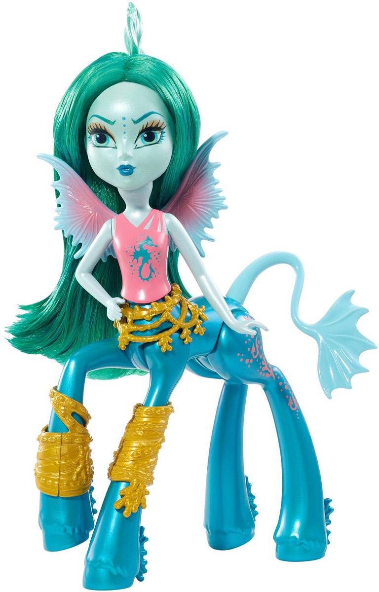 Monster High Мини-кукла Bay TidechaserDGD12_DGD16Мини-кукла Monster High Bay Tidechaser обязательно привлечет внимание вашей девочки. Бэйя Тайдчейсер (Морской монстр) - стильная серфингистка. Любит легкие парящие ткани, подчеркивающие природную красоту океана. Чувствует себя уверенно на пляже и в воде, но на танцевальной площадке не может ступить и двух шагов. Девушке не нравится, когда ее считают легкомысленной из-за того, что она живет счастливой безмятежной жизнью. Кукла представлена в коралловой майке с изображением морского конька. Золотые украшения, словно сотканные из корабельных канатов, ремешков и кораллов. На ноге у девушки имеется розовая татуировка в виде кораллов, хвостов морских монстров и пузырьков. Порадуйте свою дочурку таким замечательным подарком!