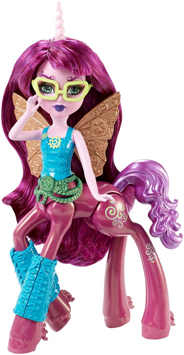 Monster High Мини-кукла Penepole SteamtailDGD12_DGD15Мини-кукла Monster High Penepole Steamtail станет лучшей игрушкой вашей дочурки. Пенепола Стимтейл (Монстр-кентавр: Бабочка) - считает, что все нужно делать точно и правильно, в том числе и произносить ее имя. Любимое занятие - создание часов. Это полезный предмет и произведение искусства. У всех ее подруг есть, как минимум одни часы от нее. Нравится одежда в стиле 19 века. У куклы распущенные красивые розовые волосы. Топ выполнен в стиле корсета, он декорирован шестеренками. Пояс состоит из цепей и шестеренок. За спиной развернулись шикарные механические крылья. На задней ножке имеются татуировки, состоящие из завитков и шестеренок. Ваша девочка будет в восторге от такого подарка!