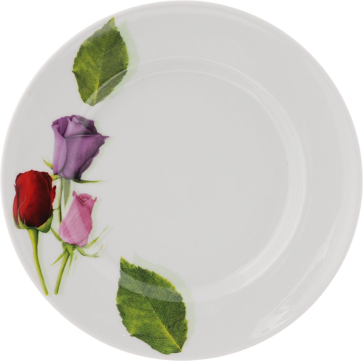 Тарелка Идиллия. Королева цветов, диаметр 19,5 см4С0203Тарелка Идиллия. Королева цветов изготовлена из высококачественного фарфора. Изделие декорировано красочным изображением. Такая тарелка отлично подойдет в качестве блюда, она идеальна для сервировки закусок, нарезок, горячих блюд. Тарелка прекрасно дополнит сервировку стола и порадует вас оригинальным дизайном. Диаметр тарелки: 19,5 см. Высота стенки: 2,5 см.