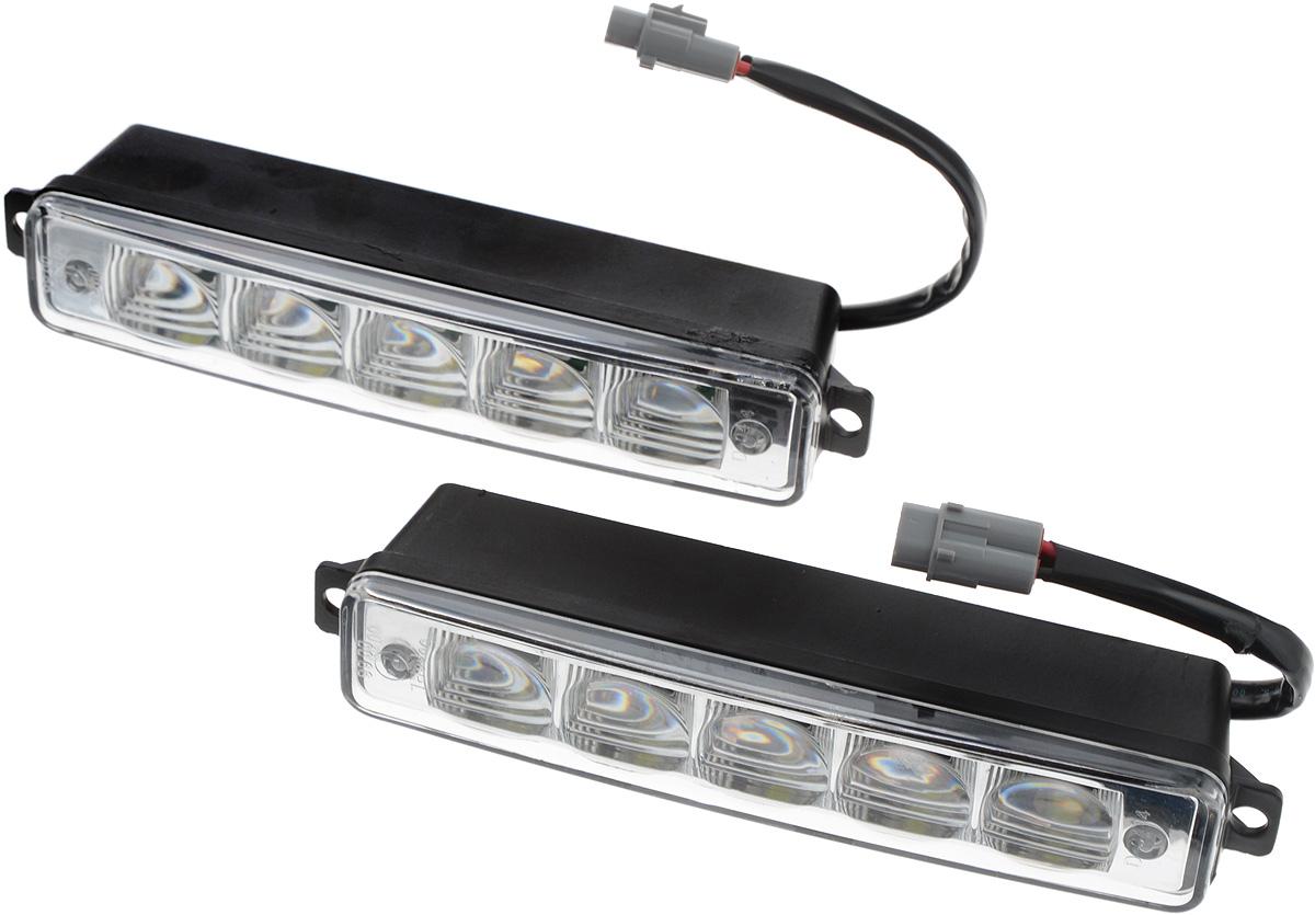 Дневные ходовые огни Nord YADA, 2 шт. 902078902078Дневные ходовые огни Nord YADA предназначены для создания хорошей видимости автомобиля на дороге с целью достижения высокого уровня безопасности движения. Особенности: - Супер яркий светодиод потребляет намного меньше энергии, чем обычная лампа, сохраняя оптимальную светоотдачу. - Привлекательный дизайн и регулируемый кронштейн, который подходит к различным моделям автомобилей. - Водонепроницаемый отражатель для любых дорожных и погодных условий. Количество светодиодов: 2 х 5. Мощность: 5 Вт. Напряжение: 12/24 В . Температура свечения: 5000 К (холодный белый свет). Комплектация: 2 шт.