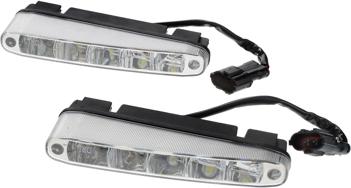 Дневные ходовые огни Nord YADA, 2 шт. 902630902630Дневные ходовые огни Nord YADA предназначены для создания хорошей видимости автомобиля на дороге с целью достижения высокого уровня безопасности движения. Особенности: - Супер яркий светодиод потребляет намного меньше энергии, чем обычная лампа, сохраняя оптимальную светоотдачу. - Привлекательный дизайн и регулируемый кронштейн, который подходит к различным моделям автомобилей. - Водонепроницаемый отражатель для любых дорожных и погодных условий. Мощность: 5 Вт . Напряжение: 12/24 В. Температура свечения: 5000 К (холодный белый свет). Комплектация: 2 шт.