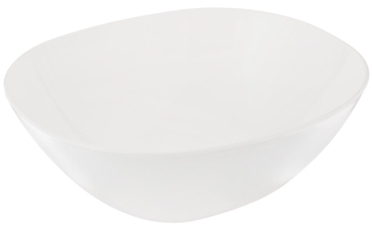 Салатник Luminarс Squera, 25 х 21,5 х 9,5 смH0351Салатник Luminarс Squera, изготовленный из высококачественного стекла, сочетает в себе изысканный дизайн с максимальной функциональностью. Оно идеально подходит для сервировки стола и подачи закусок, солений и других блюд. Такое блюдце прекрасно впишется в интерьер вашей кухни и станет достойным подарком к любому празднику. Подходит для использования в посудомоечной машине и микроволновой печи.