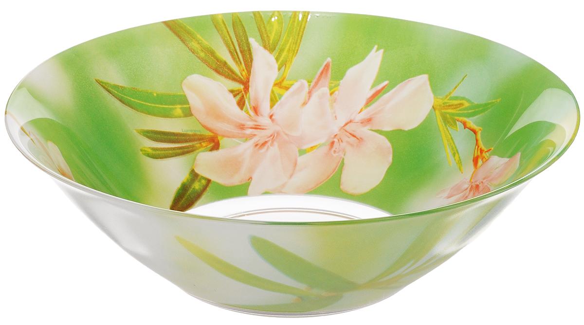 Салатник Luminarc Freesia, диаметр 27 смG8463Салатник Luminarc Freesia выполнен из высококачественного стекла и украшен ярким цветочным рисунком. Он прекрасно впишется в интерьер вашей кухни и станет достойным дополнением к кухонному инвентарю. Салатник Luminarc Freesia подчеркнет прекрасный вкус хозяйки и станет отличным подарком. Можно мыть в посудомоечной машине и использовать в СВЧ. Диаметр салатника (по верхнему краю): 27 см. Высота стенки салатника: 9 см.