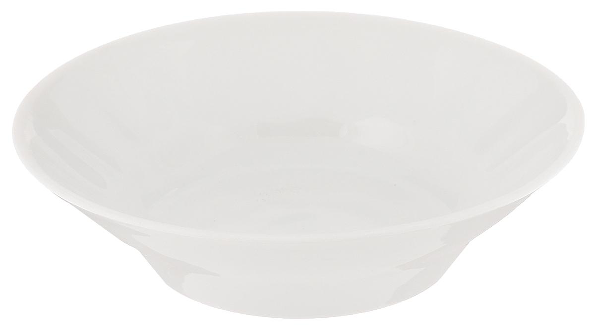 Блюдце для варенья Белье, диаметр 11 см6С0013Блюдце Белье, изготовленное из высококачественного фарфора, сочетает в себе изысканный дизайн с максимальной функциональностью. Оно идеально подходит для сервировки стола и подачи варенья, меда и других блюд. Такое блюдце прекрасно впишется в интерьер вашей кухни и станет достойным подарком к любому празднику.