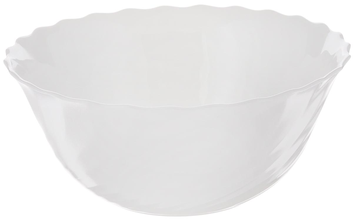 Салатник Luminarc Trianon, диаметр 18 смH4918Салатник Luminarc Trianon выполнен из ударопрочного стекла. Универсальный дизайн легко впишется в любой интерьер. Простота форм и белоснежный цвет выгодно подчеркнут изысканность ваших блюд. Салатник Luminarc Trianon идеально подойдет для сервировки стола и станет отличным подарком к любому празднику. Можно мыть в посудомоечной машине и использовать в СВЧ. Диаметр (по верхнему краю): 18 см. Высота салатника: 7,5 см.
