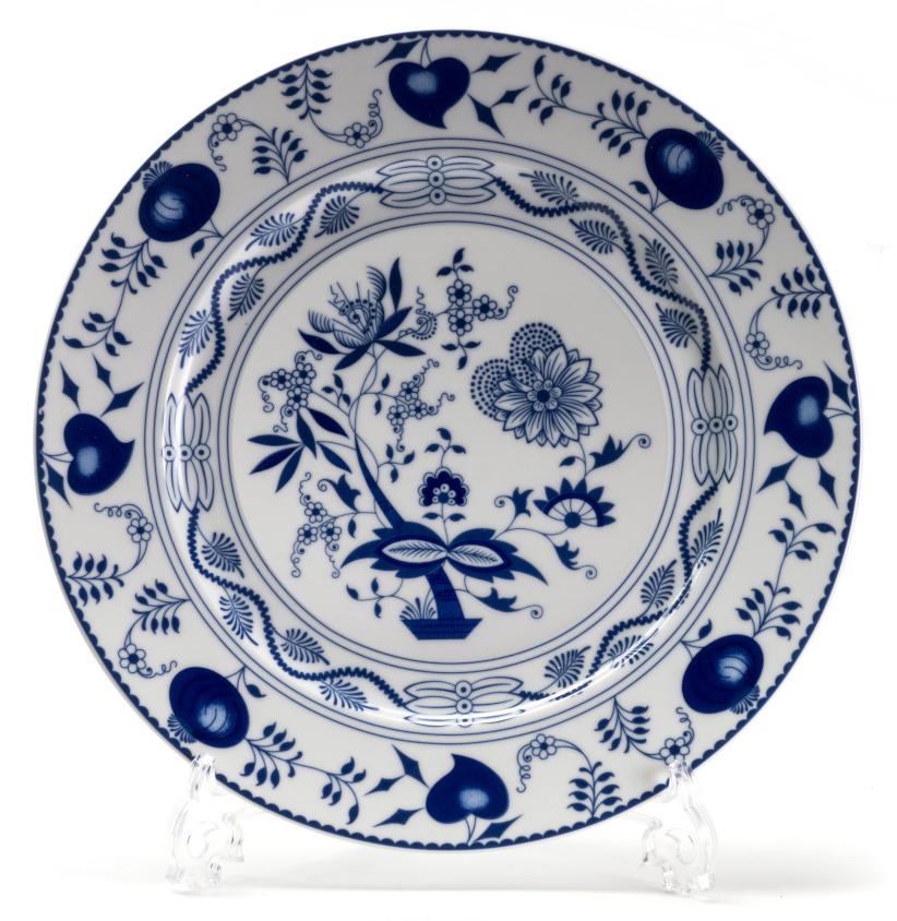 Тарелка глубокая La Rose des Sables Ognion Bleu, диаметр 27 см530127 1313Тарелка La Rose des Sables Ognion Bleu, изготовленная из высококачественного фарфора, имеет классическую круглую форму. Она прекрасно впишется в интерьер вашей кухни и станет достойным дополнением к кухонному инвентарю. Тарелка La Rose des Sables Ognion Bleu подчеркнет прекрасный вкус хозяйки и станет отличным подарком. Диаметр тарелки (по верхнему краю): 27 см.