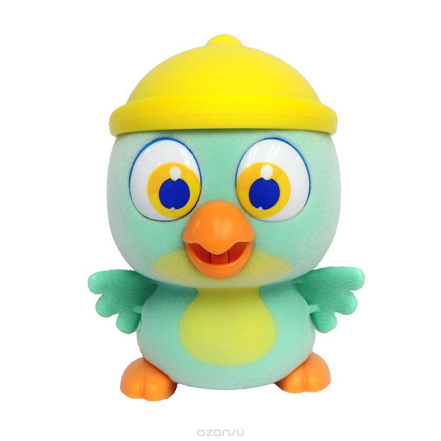 Пи-ко-ко Интерактивная игрушка Попугай в шапочке22050_зеленыйИнтерактивная игрушка Пи-ко-ко Попугай в шапочке приведет в восторг любого ребенка. После включения птенец начинает идти, весело щебетать и махать крыльями. Стоит хлопнуть в ладони, он громко запищит и быстро начнет бежать. Если взять его в руки и покормить из бутылочки, входящей в набор, птенец успокоится и радостно зачирикает. После этого он начнет медленно ходить и щебетать, пока опять не услышит громкий звук. Необходимо купить батарейку типа AAA (не входит в комплект).