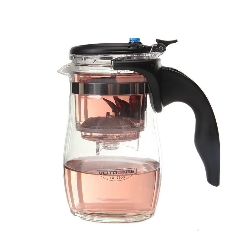 Чайник заварочный Veitron, с кнопкой, 750 мл. LX-750SLX-750SЧайник из боросиликатного стекла с кнопкой и съемной колбой. Фильтр снимается и разбирается. Номинальный объем чайника 750 мл, объем колбы 200 мл, объем заваренной жидкости 500 мл. Чайник изготовлен из пищевых материалов, безопасных для жизни и здоровья человека и окружающей среды. Предназначен для заваривания зеленого, черного, цветочного чая и кофе на 3-4 персоны. Принцип заваривания: 1) Засыпьте в колбу чай\кофе\травы и залейте кипятком, дайте заварке настояться. 2) Нажмите на кнопку: жидкость перельется из верхнего отсека в нижний. 3) По необходимости залейте заварку снова кипятком, потом нажмите на кнопку.