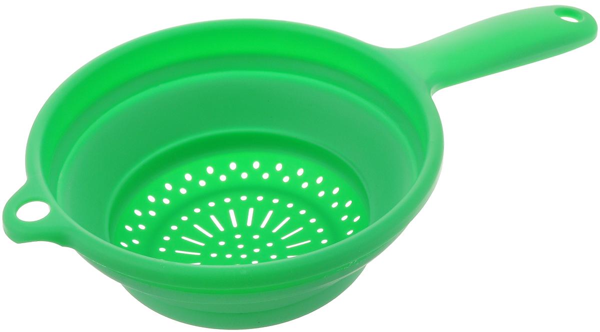 Дуршлаг складной Dom Company, цвет: зеленый, диаметр 20 см832-022_зеленыйСкладной дуршлаг Dom Company изготовлен из цветного прочного силикона и пластика. Удобная ручка обеспечивают комфорт во время использования. Дуршлаг легко складывается и раскладывается, благодаря чему не занимает много места на кухне. Можно мыть в посудомоечной машине. Размер (в сложенном виде): 33,5 см х 20 см х 3 см. Размер (в разложенном виде): 33,5 см х 20 см х 8 см. Диаметр: 20 см.