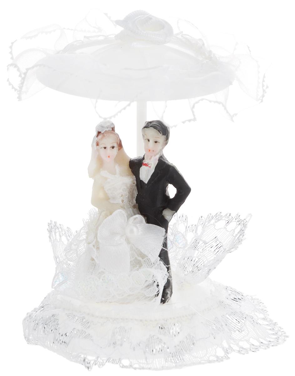 Свадебная фигурка на торт Принт Торг Жених и невеста под зонтиком, малая, высоат 9 см94.005FФигурка Принт Торг Жених и невеста под зонтиком прекрасно подойдет для оформления свадебного торта. Украшение выполнено в виде молодоженов по зонтиком. Такая фигурка подчеркнет индивидуальность вашей пары и станет приятным воспоминанием о торжестве.