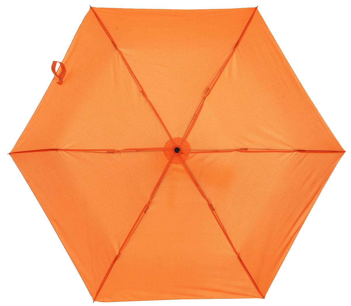 Зонт детский Эврика Морковка, механика, 2 сложения, цвет: цвет: оранжевый. 9677496774Оригинальный и яркий детский зонт Эврика станет замечательным подарком для вашего ребенка. Изделие имеет механический способ сложения: и купол, и стержень открываются вручную до характерного щелчка. Зонт состоит из шести спиц и стержня, изготовленных из металла. Яркий купол выполнен из качественного нейлона, который не пропускает воду. Зонт дополнен чехлом из пластика, имитирующим морковку. Ручка выполнена в виде черенка морковки и дополнена петлей, благодаря которой зонт можно носить на запястье. Компактный пластиковый чехол предохраняет зонт от повреждений. Оригинальный дизайн зонта поднимет настроение не только вам, но и окружающим.