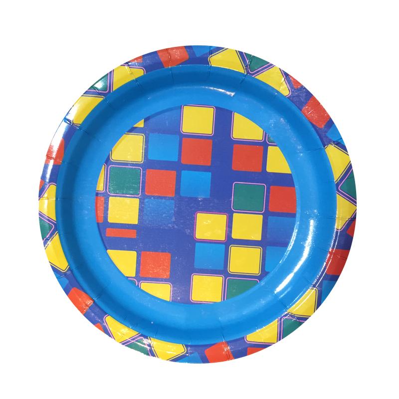 Набор одноразовых десертных тарелок Bulgaree Green Арлекин, диаметр 18 см, 10 шт1026Набор одноразовых десертных тарелок из картона с ярким принтом подойдет для сервировки стола на любой праздник. Тарелка покрыта тонким, в несколько микрон, слоем полиэтилена. Рисунок яркий и четкий.