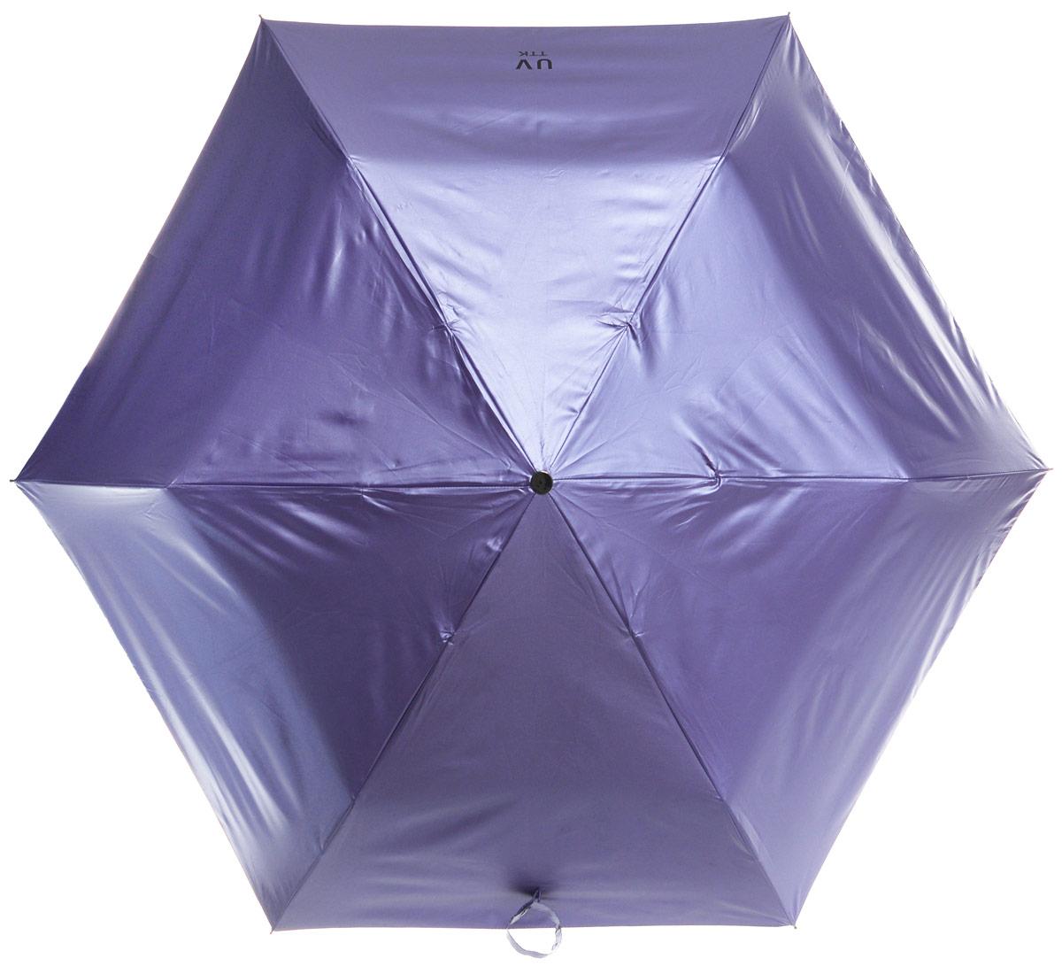 Зонт женский Эврика Звездное небо, механика, 3 сложения, цвет: лавандовый. 9679696796Оригинальный зонт Эврика не оставит вас незамеченной. С внешней стороны купол оформлен с металлическим оттенком, а с внутренней - в виде черного неба с созвездиями. Стержень изделия изготовлен из металла. Купол выполнен из качественного нейлона, который не пропускает воду. Зонт состоит из шести спиц, изготовленных из металла с элементами из пластика и пластиковой ручки. Зонт имеет механический способ сложения: и купол, и стержень открываются вручную до характерного щелчка. Ручка дополнена петлей, благодаря которой зонт можно носить на запястье. К зонту прилагается чехол. Благодаря своему небольшому размеру, зонт легко пометится в сумку. Раскрыв зонт можно увидеть внутри ночное небо с созвездиями. Зонт-планетарий станет отличным подарком и надежной защитой от непогоды.
