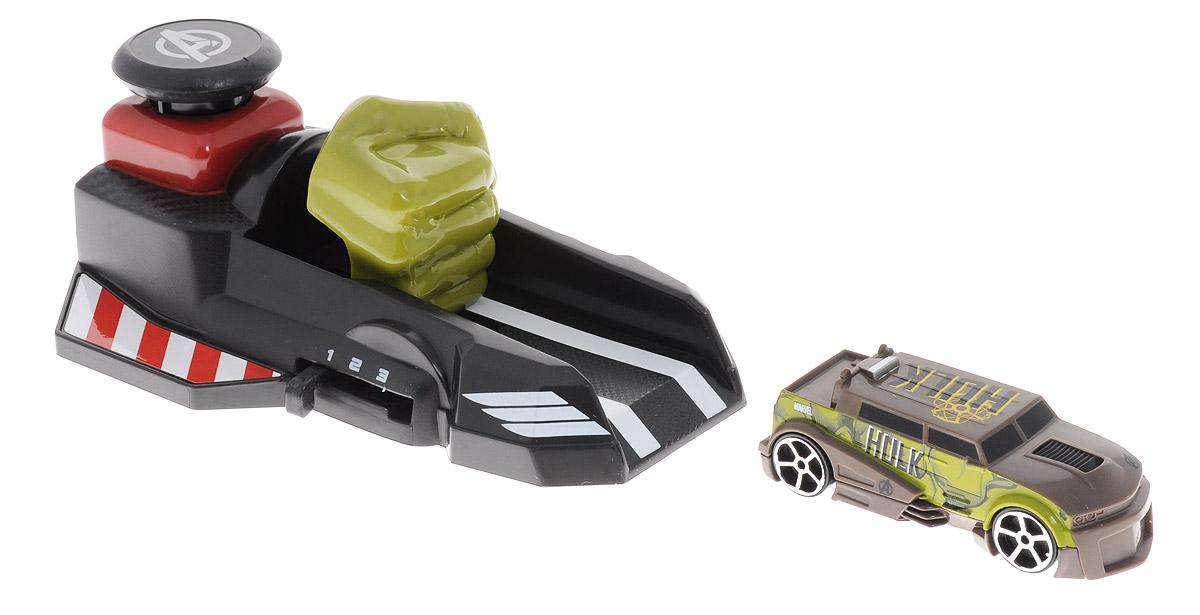 Majorette Игровой набор Пусковой механизм Мстители цвет черный хаки3089705_черный, хакиИгровой набор Majorette Пусковой механизм: Мстители, выполненный из безопасного пластика, станет любимой игрушкой вашего малыша. В набор входит машинка и пусковое устройство, оформленные в стиле команды супергероев Мстителей. Игрушка не требует батареек - просто отведите поршень пускового устройства назад, поставьте на освободившуюся площадку машинку, а затем нажмите на кнопку - распрямившийся поршень вытолкнет машинку и она быстро поедет вперед. Вы сможете настроить скорость и дальность езды машинки, выбрав одно из трех значений при помощи рычага сбоку пускового устройства. Игры с этим ярким игровым набором развивают концентрацию внимания, координацию движений, мелкую и крупную моторику, цветовое восприятие и воображение. Ваш малыш отлично проведет время, придумывая различные истории и устраивая соревнования. Рекомендуемый возраст от 3-х лет.