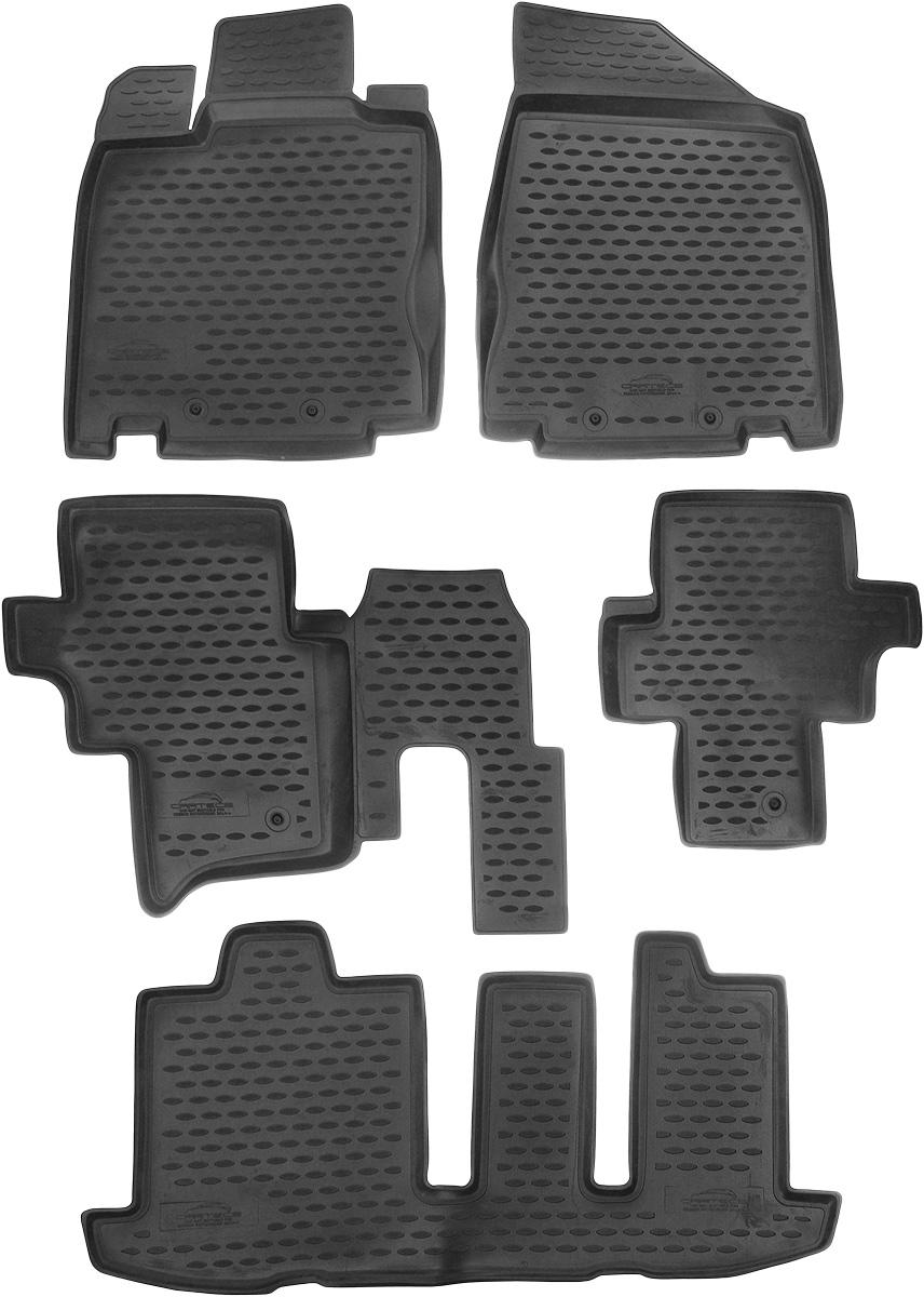 Коврики в салон автомобиля Novline-Autofamily, для Nissan Pathfinder 2014->, 5 штCARNIS00037Коврики в салон Novline-Autofamily не только улучшат внешний вид салона вашего автомобиля, но и надежно уберегут его от пыли, грязи и сырости, а значит, защитят кузов от коррозии. Полиуретановые коврики для автомобиля гладкие, приятные и не пропускают влагу. Автомобильные коврики в салон учитывают все особенности каждой модели и полностью повторяют контуры пола. Благодаря этому их не нужно будет подгибать или обрезать. И самое главное - они не будут мешать педалям. Полиуретановые автомобильные коврики для салона произведены из высококачественного материала, который держит форму и не пачкает обувь. К тому же, этот материал очень прочный (его, к примеру, не получится проткнуть каблуком). Некоторые автоковрики становятся источником неприятного запаха в автомобиле. С полиуретановыми ковриками Novline-Autofamily вы можете этого не бояться. Коврики для автомобилей надежно крепятся на полу и не скользят, что очень важно во время движения, особенно для водителя. ...