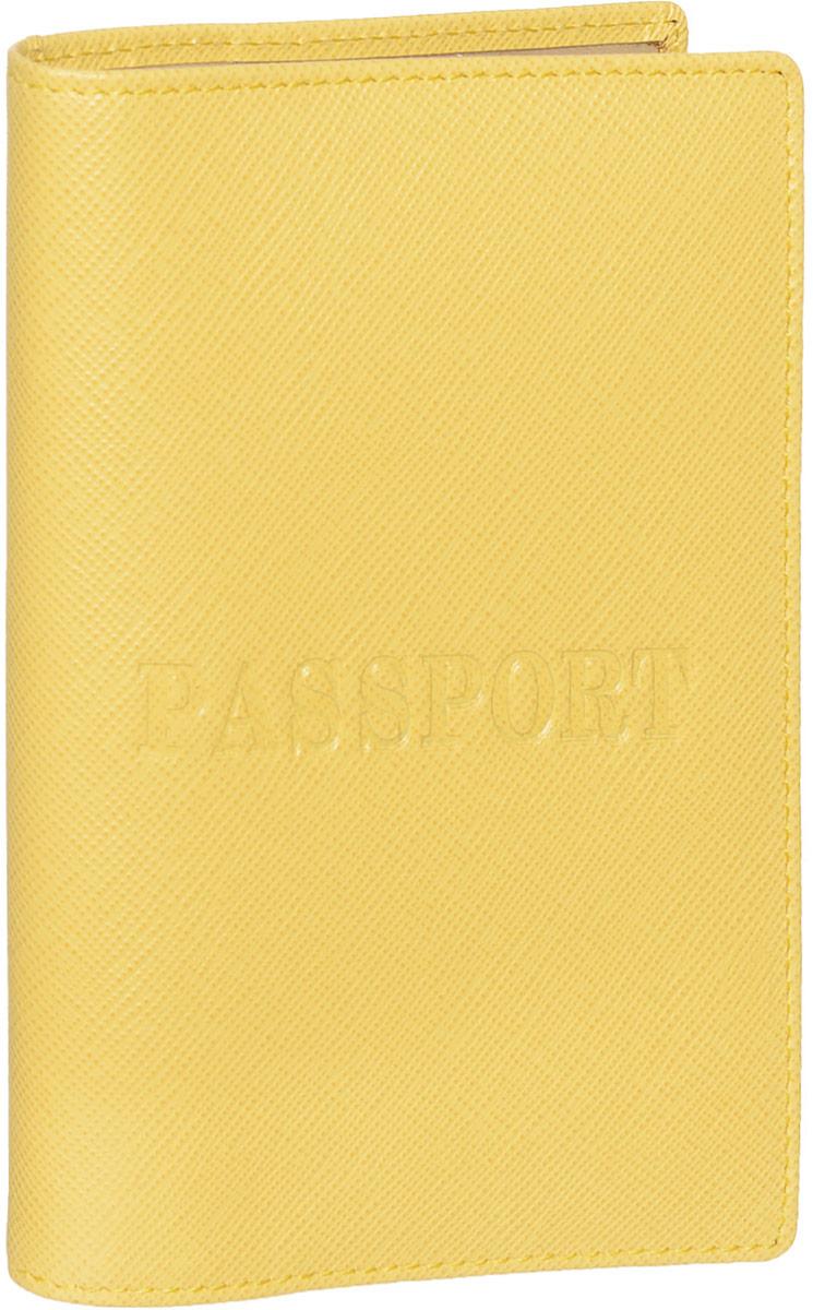Обложка для паспорта Piero, цвет: желтый. 42М6_90044_50_1402П_3042М6_90044_50_1402П_30Обложка для паспорта Piero выполнена из натуральной кожи с фактурой под сафьян, оформлена теснением Passport на лицевой стороне и теснением логотипа бренда на задней стенке. Изделие дополнено тканевой подкладкой. На внутреннем развороте расположены два вертикальных кармана из прозрачного пластика. Обложка не только поможет сохранить внешний вид ваших документов и защитить их от повреждений, но и станет ярким аксессуаром, который подчеркнет ваш образ. Обложка упакована в фирменную картонную коробку.