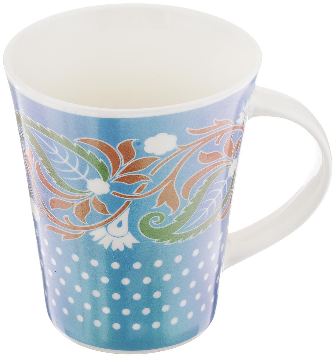 Кружка Miolla Узор 6, цвет: голубой, белый, зеленый, 380 мл2010057U-2Кружка Miolla Узор 6 изготовлена из высококачественного фарфора, покрытой слоем глазури, и оформлена красивым рисунком. Такая кружка станет неизменным атрибутом чаепития, подойдет как для офиса, так и для дома. Подходит для использования в микроволновой печи и посудомоечной машине. Диаметр (по верхнему краю): 9 см.