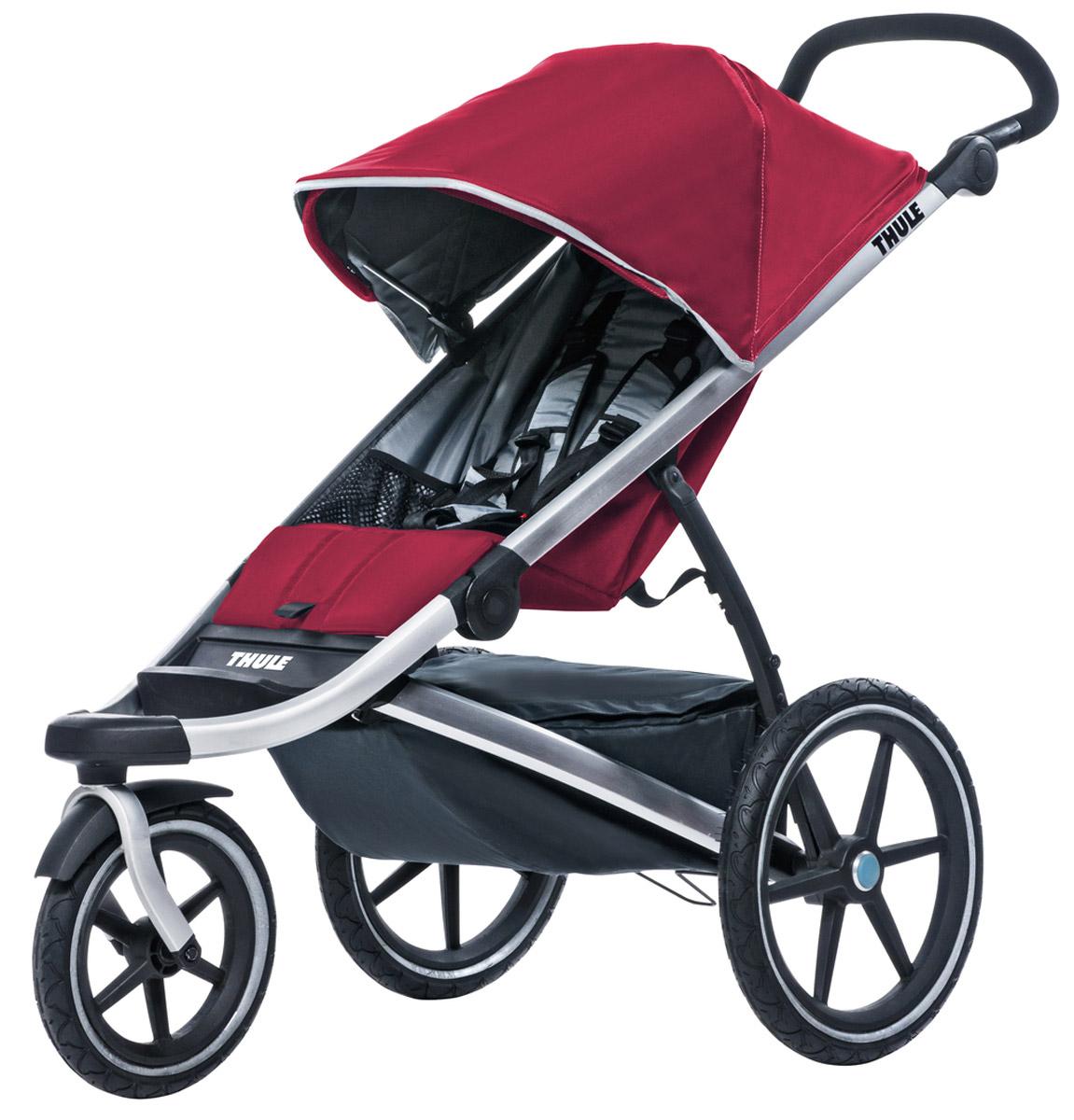 Thule Коляска прогулочная Urban Glide1 бордовый10101904Thule Urban Glide — детская коляска для различных видов спорта, характеризуется обтекаемой и легкой конструкцией, поэтому она идеально подходит для поездок в городе или бега трусцой по любимым дорожкам. Компактно складывается одной рукой для простоты хранения и транспортировки Поворачивающееся переднее колесо, повышающее маневренность, можно убрать в специальное отделение при беге трусцой Эргономичная ручка с регулируемой высотой для удобства родителей Задняя подвеска для мягкой и ровной езды Мягкое сидение с вентилируемым верхним слоем откидывается практически в горизонтальное положение, чтобы ребенок мог спать во время езды Навес с несколькими вариантами положений для дополнительной защиты и окошком, чтобы вы могли видеть своего ребенка Большое отделение с водонепроницаемой крышкой, закрывающейся на молнию