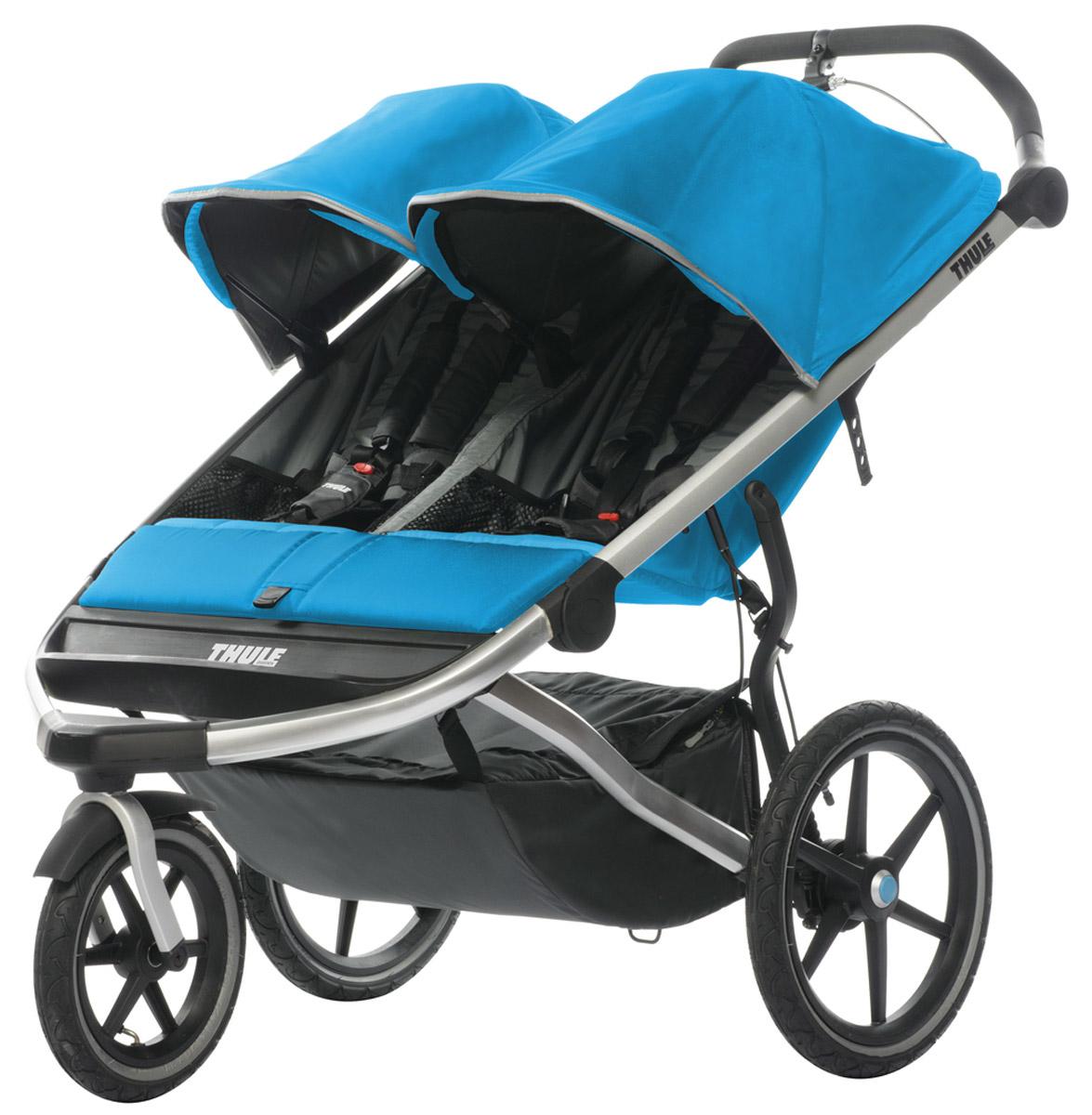 Thule Детская беговая коляска Urban Glide2 цвет голубой10101907Thule Urban Glide — детская коляска для различных видов спорта, характеризуется обтекаемой и легкой конструкцией, поэтому она идеально подходит для поездок в городе или бега трусцой по любимым дорожкам. Компактно складывается одной рукой для простоты хранения и транспортировки Поворачивающееся переднее колесо, повышающее маневренность, можно убрать в специальное отделение при беге трусцой Эргономичная ручка с регулируемой высотой для удобства родителей Задняя подвеска для мягкой и ровной езды Мягкое сидение с вентилируемым верхним слоем откидывается практически в горизонтальное положение, чтобы ребенок мог спать во время езды Навес с несколькими вариантами положений для дополнительной защиты и окошком, чтобы вы могли видеть своего ребенка Большое отделение с водонепроницаемой крышкой, закрывающейся на молнию