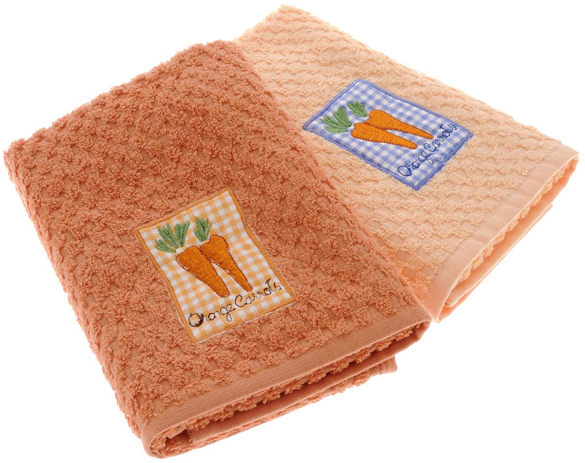 Набор махровых полотенец Bonita Морковь, 40 х 60 см, 2 шт20100313373_желтый, оранжевыйНабор полотенец Bonita Морковь, изготовленный из натурального хлопка, идеально дополнит интерьер вашей кухни и создаст атмосферу уюта и комфорта. В набор входят два махровых полотенца, оформленных вышивкой в виде моркови. Изделия выполнены из натурального материала, поэтому являются экологически чистыми. Высочайшее качество материала гарантирует безопасность не только взрослых, но и самых маленьких членов семьи. Современный декоративный текстиль для дома должен быть экологически чистым продуктом и отличаться ярким и современным дизайном. Кухня, столовая, гостиная - то место в доме, где хочется собраться всем вместе, ощутить радость и уют. И немалая доля этого уюта зависит от подобранных под вашу мебель, и что уж говорить, под ваше настроение полотенец, скатертей, салфеток и прочих милых мелочей. Bonita предлагает коллекции готовых стилистических решений для различной кухонной мебели, множество видов, рисунков и цветов. Вам легко будет...