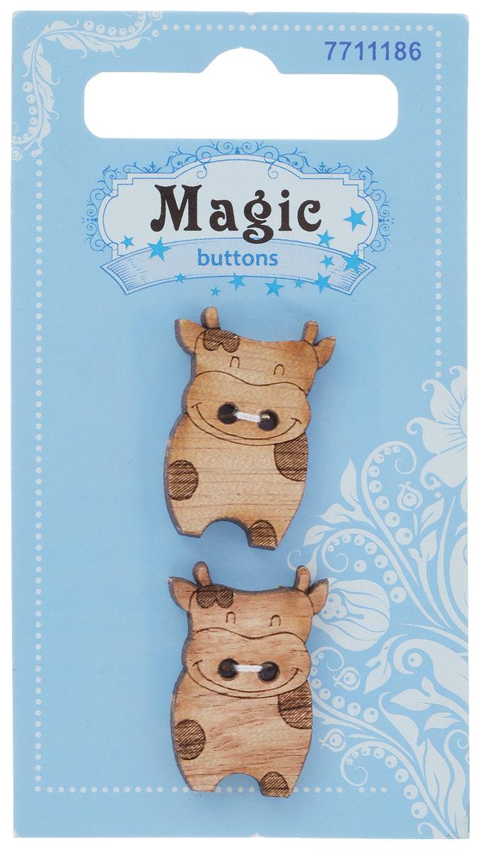 Пуговицы декоративные Magic Buttons Корова, 2 шт. 77111867711186Набор Magic Buttons Корова состоит из 2 пуговиц, выполненных из натурального дерева. Такие изделия подходят для любых видов творчества: скрапбукинга, декорирования, шитья, изготовления кукол, а также для оформления одежды. С их помощью вы сможете украсить открытку, фотографию, альбом, подарок и другие предметы ручной работы.
