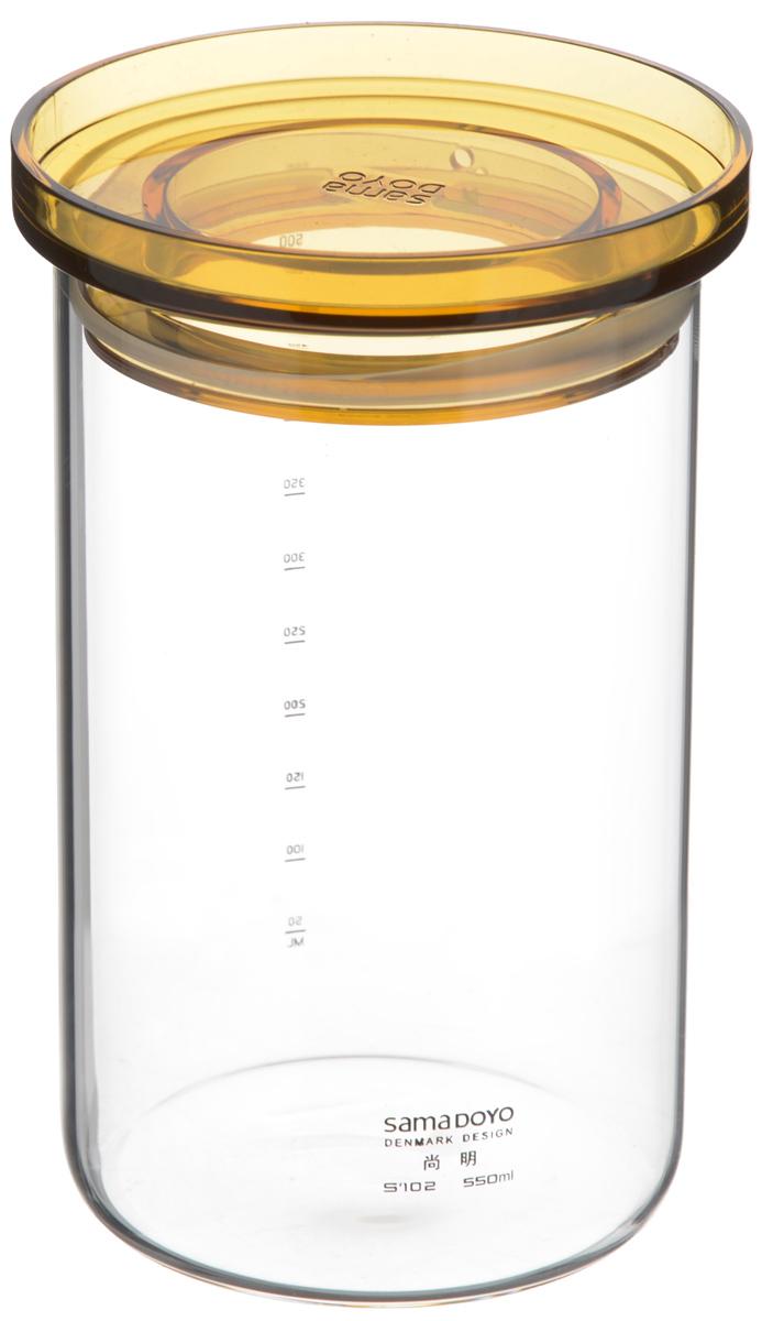 Банка для хранения чая Samadoyo, 550 мл02024Банка для хранения Samadoyo, изготовленная из высококачественного стекла, имеет пластиковую крышку с возможностью пропускания небольшого количества кислорода. Она предназначена для хранения чая или других сыпучих продуктов. Внешняя сторона банки дополнена мерной шкалой, что будет особенно удобно, когда необходимо отмерить точное количество. Банка Samadoyo станет отличным дополнением к коллекции кухонных аксессуаров и поможет эффективно организовать пространство на кухне. Высота банки (без учета крышки): 13 см. Диаметр (по верхнему краю): 8 см.