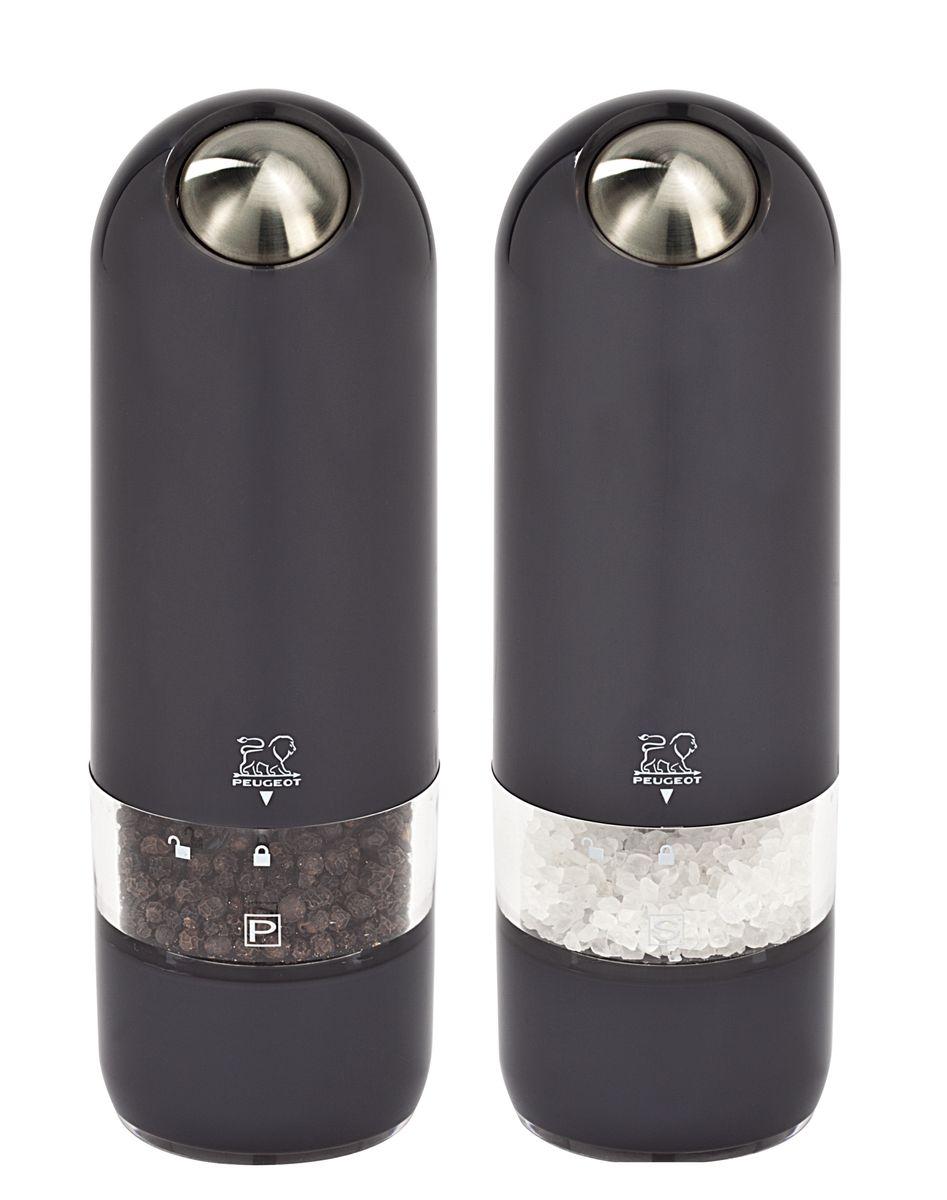 Набор электрических мельниц для соли и перца Peugeot Alaska Duo, цвет: черный, высота 17 см, 2 шт2/28503Мельницы для соли и перца Peugeot Alaska обладают одновременно современным и винтажным дизайном. Они выделяются внешним обликом из ряда электрических мельниц гармоничным сочетанием пластмассы и металла. Эргономичная форма будет радовать поваров, которые могут пользоваться мельницей, держа ее в одной руке во время приготовления пищи. Свет в основании мельницы помогает увидеть, сколько соли или перца вы добавляете. Прозрачные стенки позволяют контролировать количество специй внутри. Серия Alaska удивительным образом сочетает в себе черты классического кухонного атрибута и элементы футуристического дизайна. Креативный дизайн будущего для вещи из прошлого - идеальный способ создать утонченную интригу в интерьере вашей кухни.