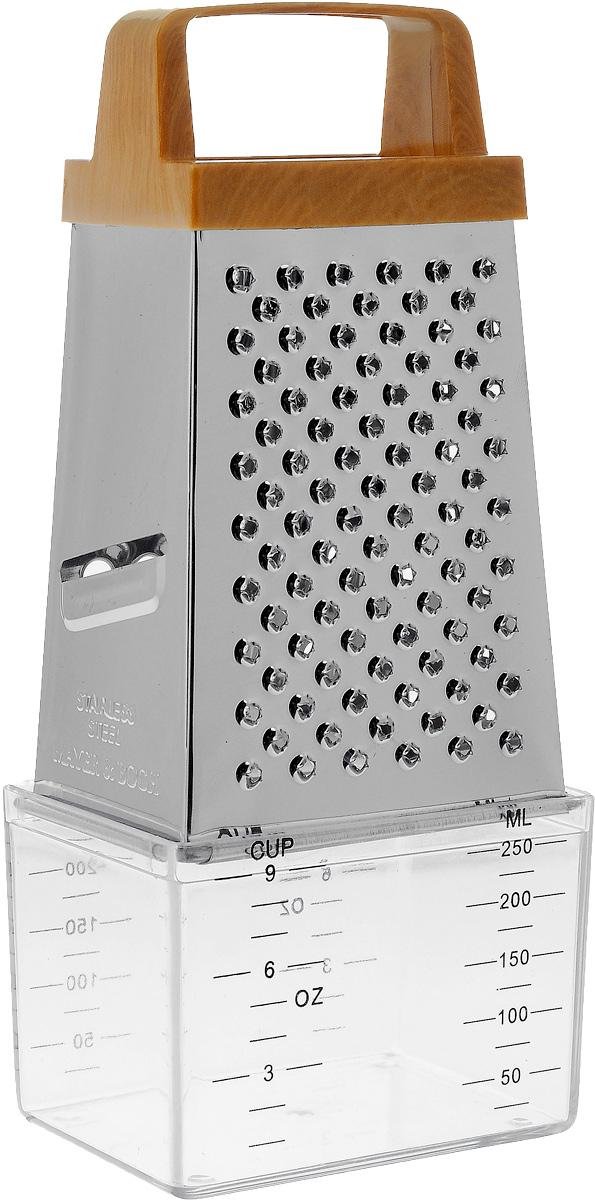 Терка Mayer & Boch, четырехгранная, с контейнером. 49974997Терка Mayer & Boch, изготовленная из высококачественной нержавеющей стали, оснащена удобной ручкой, выполненной из пластика. Изделие имеет четыре вида терок - крупная, терка для овощных пюре, шинковка и шинковка фигурная. Терка снабжена специальным пластиковым контейнером, куда попадают уже натертые продукты. На контейнере имеются мерные деления. Терку можно использовать и без контейнера. Каждая хозяйка оценит все преимущества этой терки. Благодаря этому можно удовлетворить любые потребности по нарезке различных продуктов. Наслаждайтесь приготовлением пищи с многофункциональной теркой Mayer & Boch. Размер терки: 8,5 х 6 х 14 см. Размер контейнера: 9 х 6,5 х 6 см. Высота терки (с учетом контейнера): 20 см.