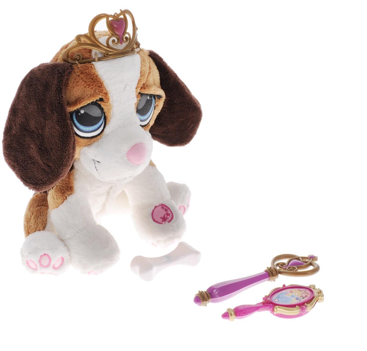 Disney Интерактивная игрушка Щенок принцессыDPPE1Интерактивная игрушка Disney Щенок принцессы станет лучшей игрушкой для любой девочки! В набор входит большое количество аксессуаров - подвеска, в которую можно внести имя питомца. Также в наборе имеется косточка - поднесите ее ко рту собачки и она начнет ее грызть. С помощью волшебной палочки щенок начинает лаять (необходимо поднести ко лбу), а если расчесать его специальной щеткой услышите как он обрадуется. Игрушка принесет ребенку много радости и станет верным другом на долгое время. Рекомендуется докупить 2 батарейки типа АА (товар комплектуется демонстрационными).