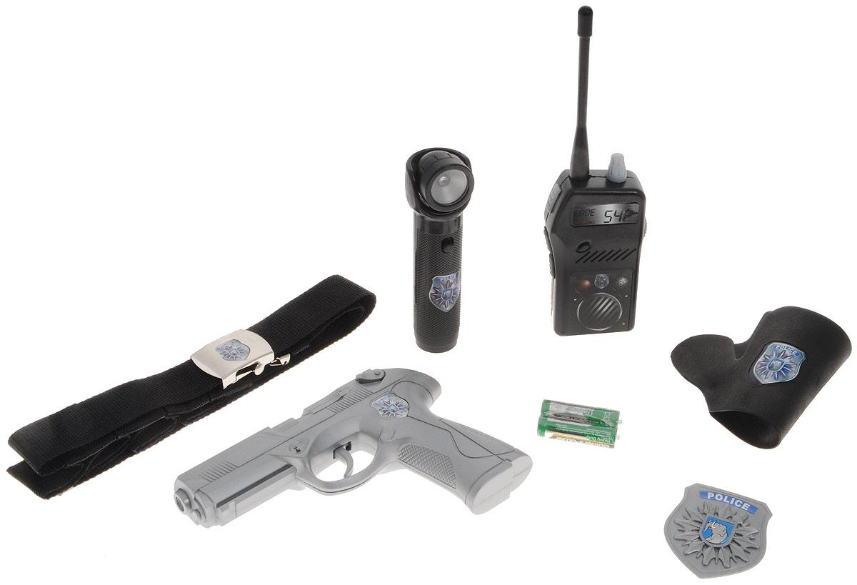 Simba Игрушечный набор Полицейский8102667Игрушечный набор Simba Полицейский привлечет внимание вашего ребенка и позволит ему почувствует себя настоящим полицейским! Набор состоит из полицейского значка, пистолета, вкладывающегося в кобуру, рации, фонарика и удобного текстильного пояса, к которому крепятся все атрибуты полицейского. Все элементы набора оформлены эмблемой полицейского участка. С этим набором ваш ребенок сможет почувствовать себя настоящим героем захватывающих приключений! Порадуйте его таким замечательным подарком! Рекомендуется докупить 2 батарейки напряжением 1,5V типа АА (товар комплектуется демонстрационными).