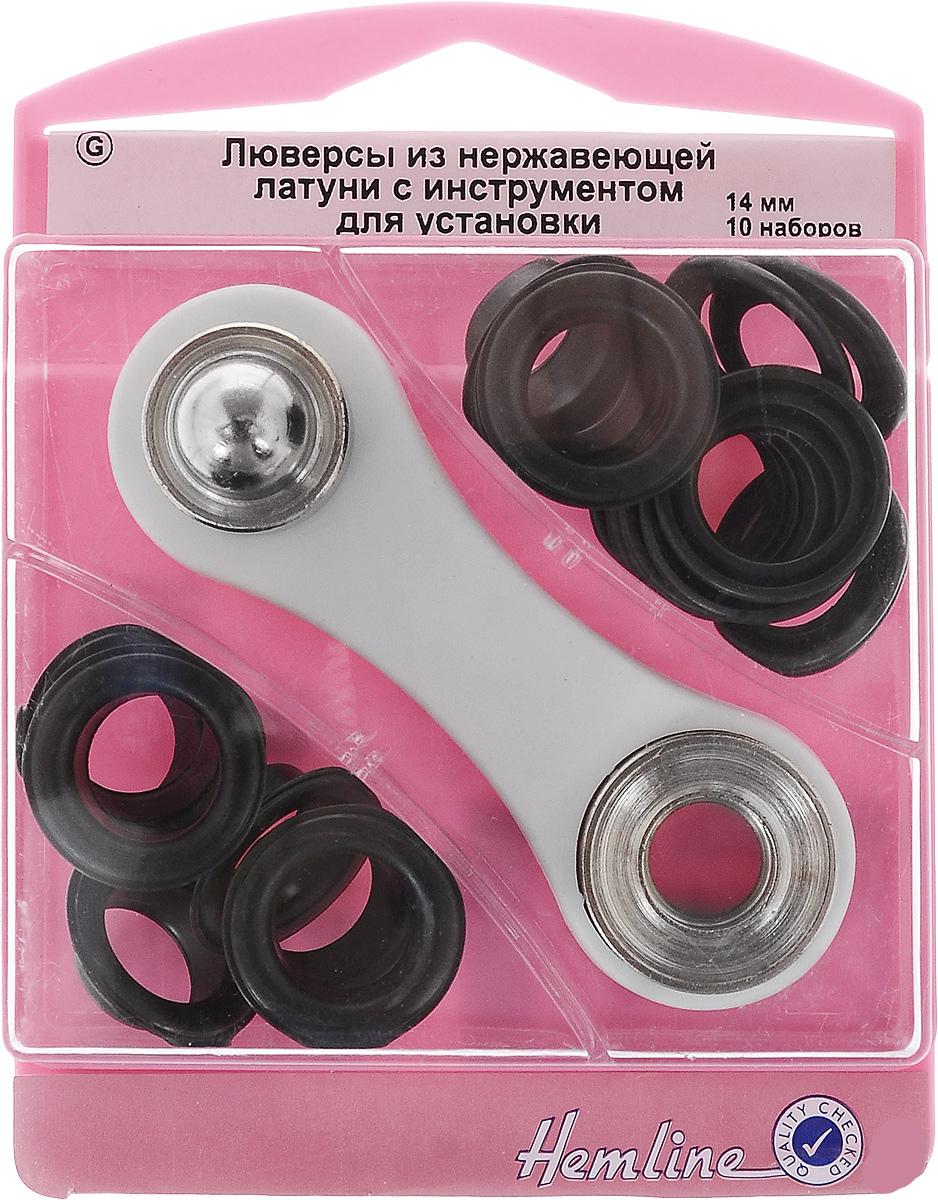 Люверсы Hemline, с инструментом для установки, цвет: черный, тип G, диаметр 14 мм, 10 наборов438P.14.BЛюверсы Hemline предназначены для укрепления краев отверстий, использующихся для продевания веревок, шнуров, тесьмы, тросов, а также декорирования вещей. Предназначены для средних и легких вещей. Выполнены из нержавеющей латуни. В комплекте 10 наборов люверсов, каждый из которых состоит из двух элементов, и специальный инструмент для их установки. Для обеспечения толщины между слоями ткани не менее 1-2 мм рекомендуется использовать подкладочную ткань. Внимание! Слишком сильные удары молотка могут повредить поверхность люверсов. Всегда работайте на плоской твердой поверхности, защищенной куском картона. Люверсы хранятся в удобном пластиковом контейнере многоразового использования. Внутренний диаметр люверсов: 14 мм. Внешний диаметр люверсов: 22 мм. Размер инструмента: 9 х 3 х 1 см.