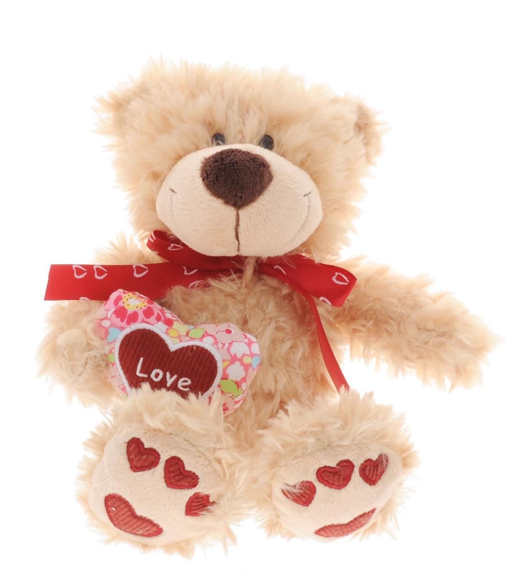 Sonata Style Мягкая игрушка Медведь Влюбленный 20 смGT8306Очаровательная мягкая игрушка Sonata Style Медведь Влюбленный станет прекрасным подарком на любой праздник. Игрушка обладает очень милой мордочкой и мягкой шерсткой, а на лапках медвежонка изображены красные сердечки. В лапках медведь держит текстильное сердечко. Игрушка изготовлена из высококачественных материалов и абсолютно безвредна для здоровья детей.