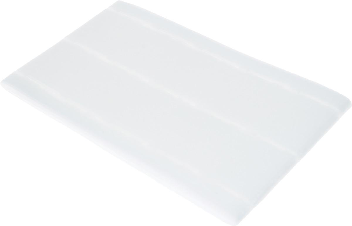 Корсажная перфолента Hemline, ширина 35 мм, длина 3 м765.35Корсажная перфолента Hemline, изготовленная из нетканого материала (100% полиэфир) с клеевым слоем, предназначена для придания поясу формы и жесткости. Перфорация определяет направление строчки, что позволяет получить равномерную ширину полосы по всей длине и дает возможность избежать чрезмерного утолщения кромок. Такая лента позволит профессионально отделать вещи, сшитые своими руками. Лента прикрепляется с помощью утюга. Ширина ленты (с припусками): 10-35-35-10 мм.