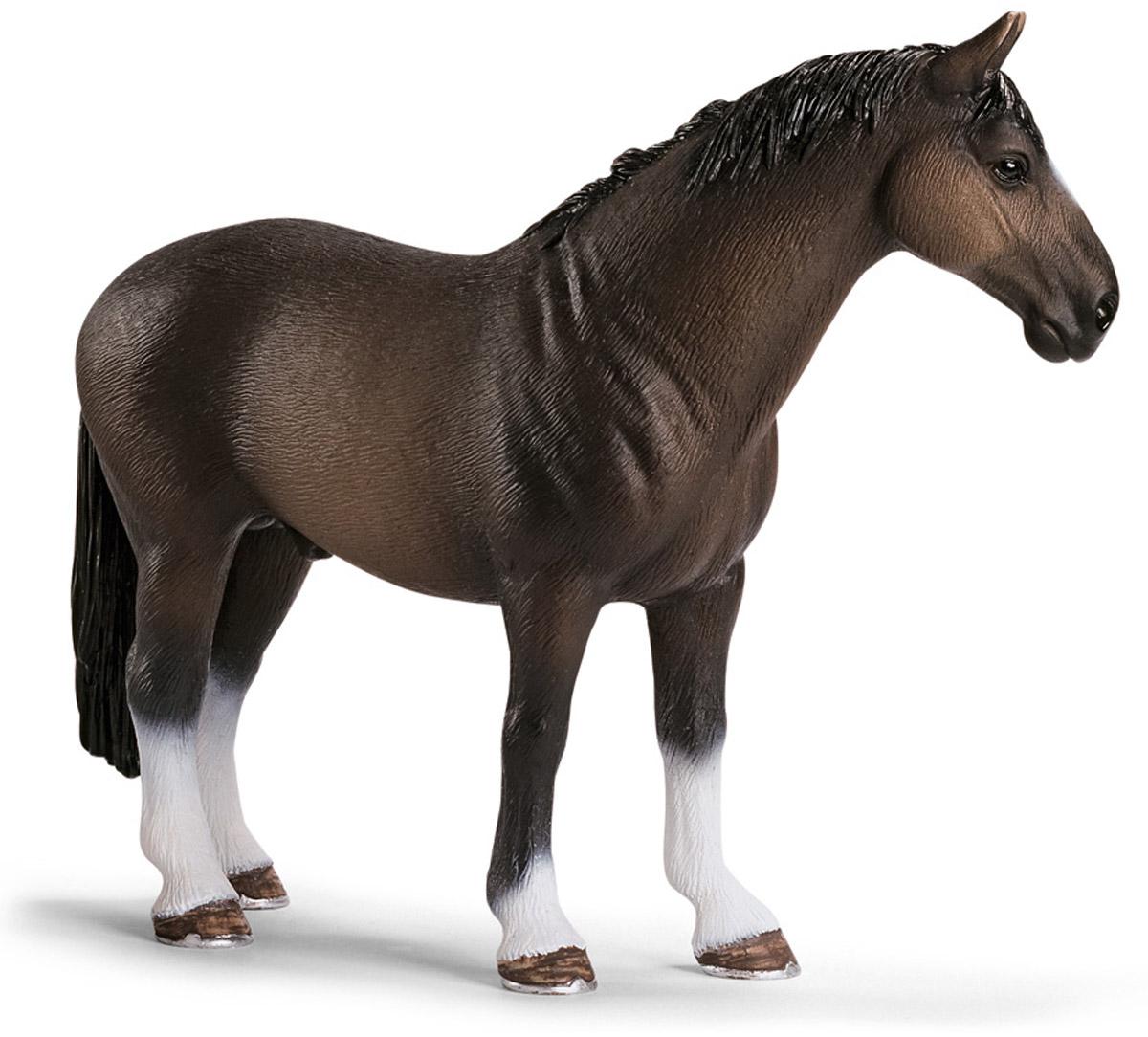 Schleich Фигурка Ганноверский жеребец13649Представители этой породы - классические спортивные лошади, которых отличает прямоугольный формат. Эти лошади используются как в выездке, так и в конкуре, и добиваются высочайших успехов. Они славятся смышленостью, внимательностью, уравновешенным нравом и темпераментом. Фигурка Schleich Ганноверский жеребец выполнена из каучукового пластика, раскрашивалась вручную. С помощью фигурки ребенок сможет дополнить свою ферму со скотным двором. Выдумывая сюжетно-ролевые игры, малыш развивает воображение и осваивает новые социальные взаимоотношения.