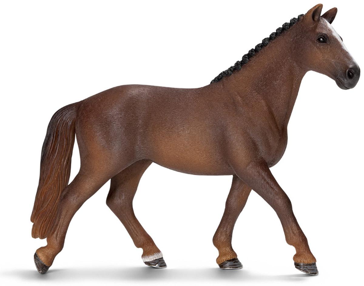 Schleich Фигурка Ганноверская кобыла13729Ганноверская кобыла из благородной спортивной породы лошадей разводится в Германии с 1735 года. Она превосходно подходит для выездки и конкура. Ганноверская лошадь считается самой способной в обучении, эти лошади самые понятливые, внимательные и уравновешенные. Великолепно выполненная и раскрашенная вручную фигурка Schleich Ганноверская кобыла, созданная при тесном сотрудничестве с Берлинским зоопарком, никого не оставит равнодушным.