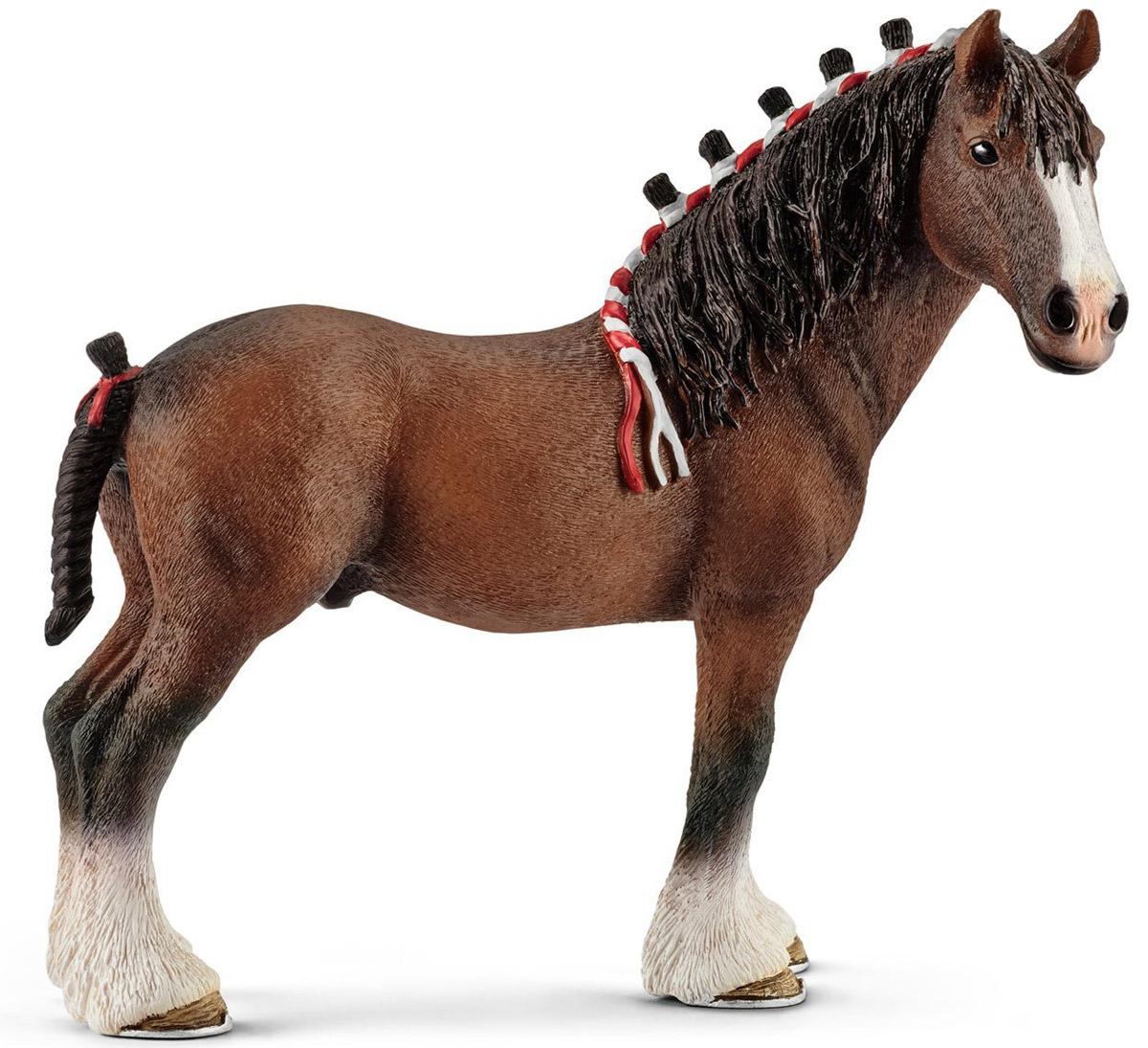 Schleich Фигурка Жеребец Клейдесдаль13808Фигурка Schleich Жеребец Клейдесдаль обязательно понравится вашему ребенку и дополнит его коллекцию лошадей. Все фигурки Schleich выполнены из гипоаллергенных высокотехнологичных материалов, раскрашены вручную и не вызывают аллергии у ребенка. Прекрасно выполненные фигурки отличаются высочайшим качеством игрушек ручной работы. Все они создаются при постоянном сотрудничестве с Берлинским зоопарком, а потому являются максимально точной копией настоящих животных. Каждая фигурка разработана с учетом исследований в области педагогики. Клейдесдальские лошади большие и сильные, у них большие уши и короткая шея. У этих лошадей дружелюбный характер, они очень трудолюбивые. У этих лошадей очень большие копыта. Длина их подковы с одного конца до другого составляет целых 5 сантиметров. Подковать такую лошадь - непростая задача для кузнеца, ведь их подковы могут весить до 2.5 кг, что в 4-5 раз превышает вес подковы породистой лошади. Несмотря на то, что...