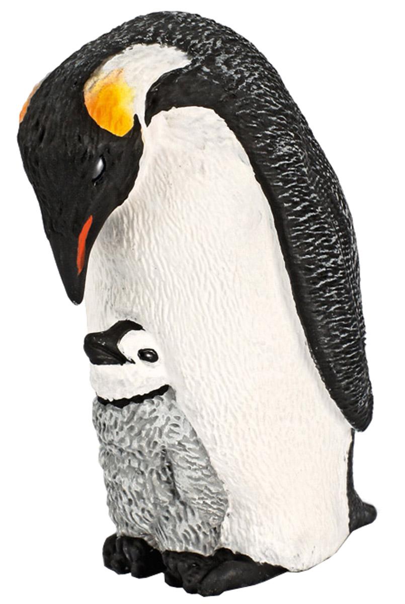Schleich Фигурка Императорский пингвин с птенцом14632Фигурка Schleich Императорский пингвин с птенцом, раскрашенная вручную, выполнена из безопасного материала - пластика. Компания Schleich специализируется на выпуске детских игрушек, знакомящих с окружающей средой, развивающих творческое мышление, мелкую моторику рук. Фигурки Schleich выполнены из безопасного для здоровья детей каучукового пластика с максимальной точностью, каждая фигурка раскрашивается вручную. Реалистичные фигурки детально точно воспроизводят настоящих животных, обитателей различных стран. Ребенок сможет изучать особенности их строения, поведения и питания. Фигурки Schleich - превосходный педагогический материал для использования дома и в образовательных учреждениях. Императорский пингвин - самый крупный и тяжелый из современных видов семейства пингвиновых. В среднем рост составляет около 122 см, а вес колеблется между 22 и 45 кг. Голова и задняя часть тела черная, брюшная часть - белая, к верху становящаяся желтой. Как и все...