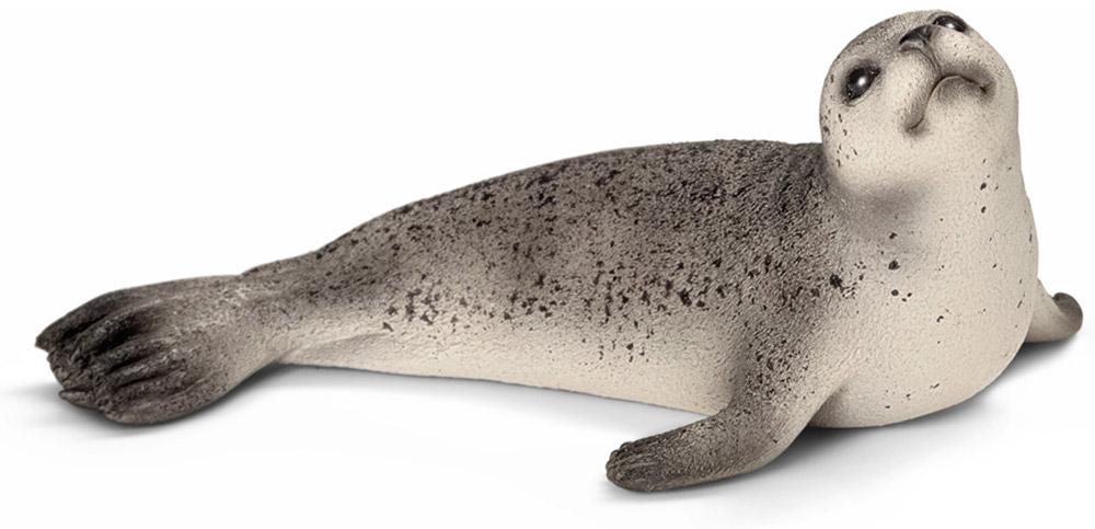 Schleich Фигурка Тюлень14702Тюлень - ластообразный обитатель северных морей. Тюлени могут достигать длины 170 см и весить до 100 кг. Тюлени питаются исключительно рыбой, которую сами ловят. Тюлени - отличные пловцы, в зоопарках и океанариумах они принимают активное участие в представлениях, исполняя интересные трюки. Фигурка Schleich Тюлень, раскрашенная вручную, выполнена из безопасного материала - пластика. Компания Schleich специализируется на выпуске детских игрушек, знакомящих с окружающей средой, развивающих творческое мышление, мелкую моторику рук.