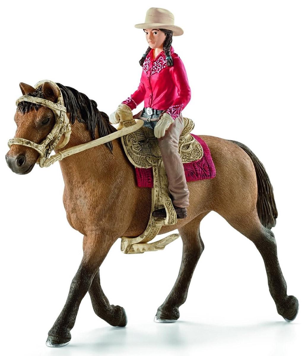 Schleich Фигурка Наездница Вестерн42112Опытная наездница, катающаяся на проворной лошадке, понравится каждому малышу и научит уверенно держаться в седле. Ребенок сможет придумать удивительные сюжеты скачек и профессиональных соревнований, создать собственную ферму с участием других фигурок Scheich. Наездница в красной рубашке, шляпе с широкими полями и в плотных перчатках катается верхом на своей лошади. Можно снять ее с лошадки и поменять снаряжение, надев ее на другого жеребца. Фигурка наездницы прочно располагается в седле и готова к активным скачкам. Все детали выполнены из качественного каучукового пластика, который безопасен для детей и очень приятен на ощупь. Игрушки Schleich развивают мелкую моторику ребенка, стимулируют творческое восприятие и позволяют создавать разнообразные сюжетно-ролевые игры с реалистичными персонажами.