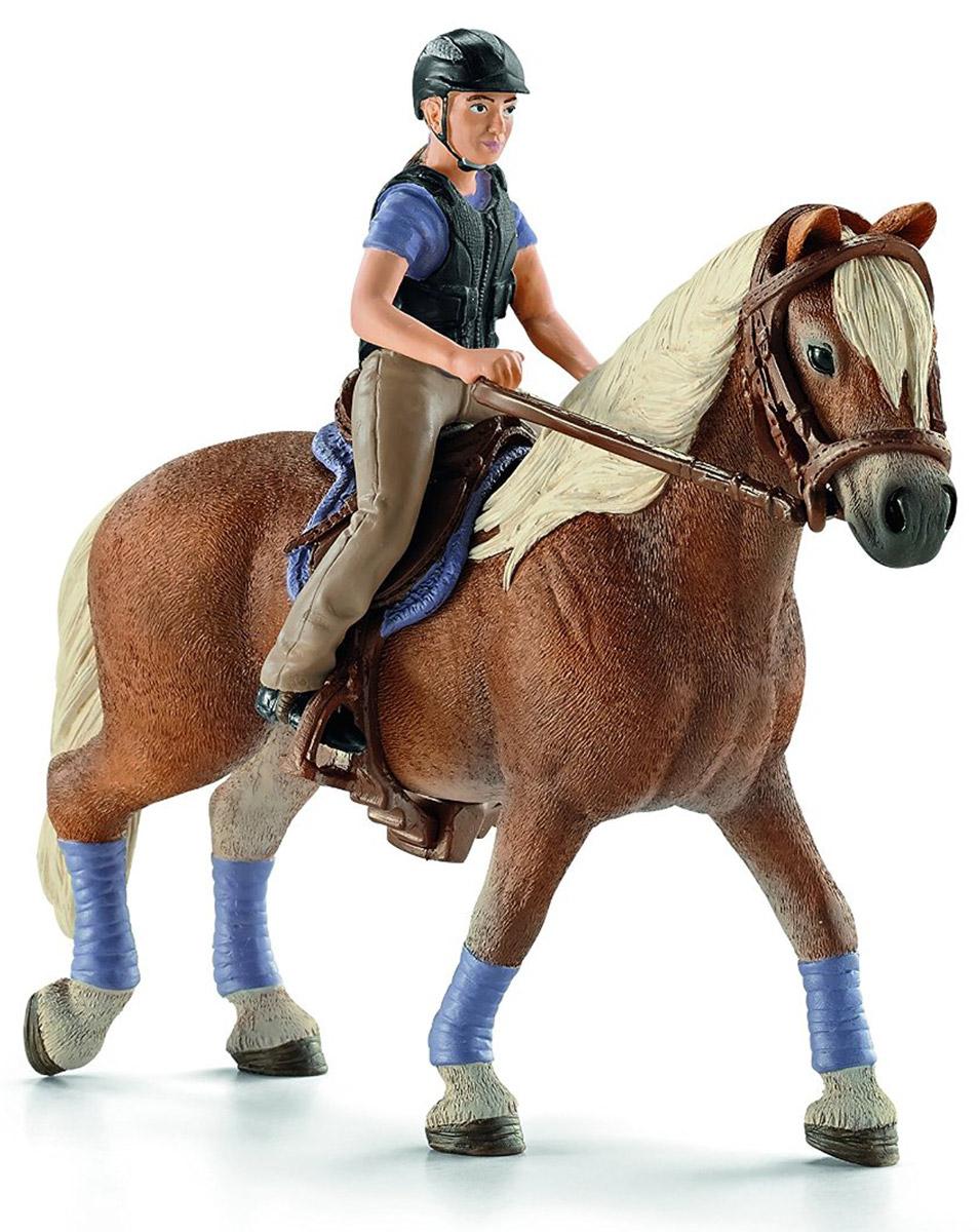 Schleich Фигурка Любительница верховой езды42113Профессиональный наездник грациозно прогуливается верхом на своей белогривой лошадке. Ребенок сможет создать интересную игру с участием реалистичных персонажей от немецкой компании Schleich. В наборе представлена фигура наездника в профессиональной одежде для конного спорта, снаряжение для выездки и фигурка лошадки. Наездница и снаряжение легко снимаются с лошади, что позволяет размещать их на других фигурках лошадок или играть самостоятельно. Фигурки Schleich выполнены из безопасного для здоровья детей каучукового пластика с максимальной точностью, каждая фигурка раскрашивается вручную. Реалистичные фигурки детально точно воспроизводят настоящих животных, обитателей различных стран. Ребенок сможет изучать особенности их строения, поведения и питания. Фигурки Schleich - превосходный педагогический материал для использования дома и в образовательных учреждениях.