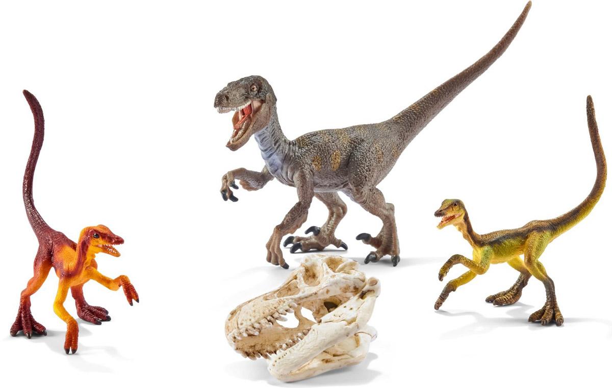 Schleich Набор фигурок Велоцирапторы на охоте 3 шт42259Набор фигурок Schleich Велоцирапторы на охоте произведет впечатление на каждого ребенка и увлекающегося коллекционера. Красочные фигурки имеют реальное сходство с вымершими животными, приятны на ощупь и безопасны для игр детей. Динозавры выполнены из качественного каучукового пластика, который безопасен для детей. Каждая игрушка выполнена с особенной тщательностью и вниманием к деталям. Игрушки раскрашиваются вручную, имеют оригинальную текстуру. В набор входят 3 фигурки велоцирапторов и череп тираннозавра Рекса. Набор станет прекрасным подарком для всех поклонников динозавров, с которыми будет интересно устраивать увлекательные игры и наслаждаться красочными фигурами доисторических животных.