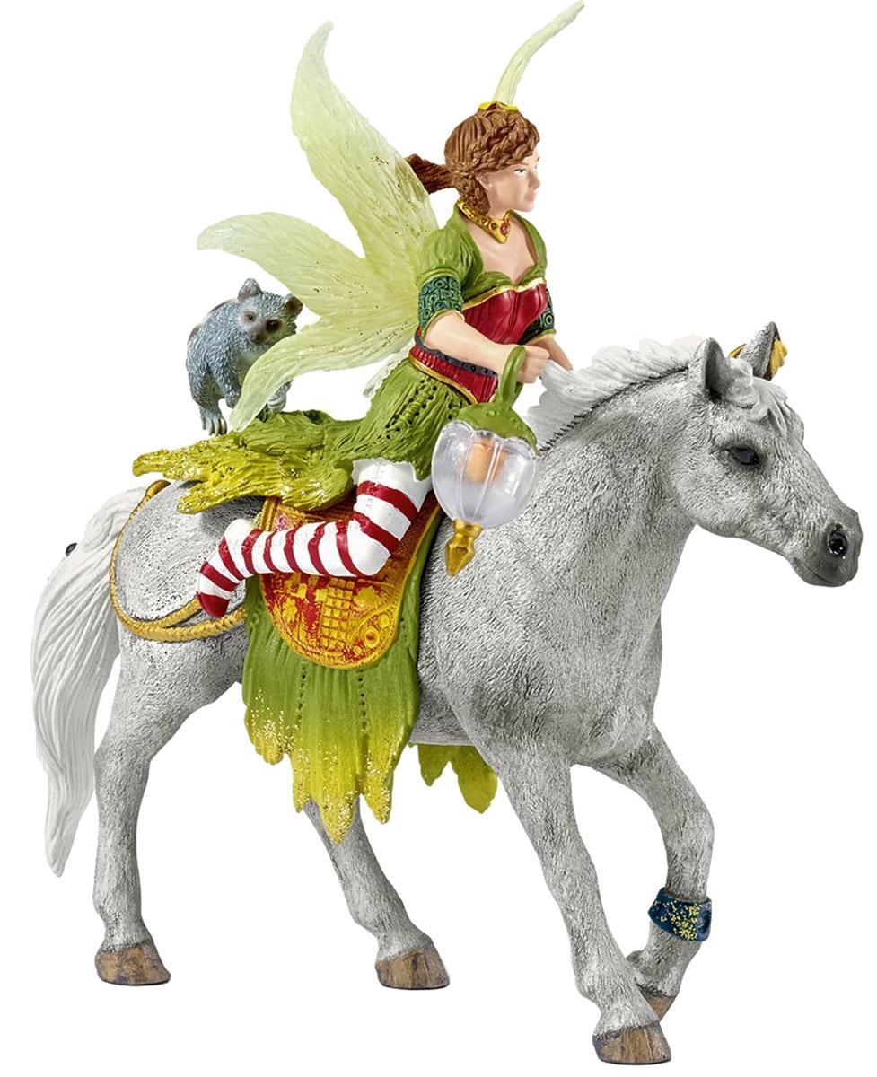 Schleich Фигурка Эльфийка Марвин на лошади70517Эльфийка Марвин - самая необычная из всех жителей королевства Баяла - места, где живут эльфы и другие сказочные персонажи. Ее наряды не похожи ни на один, что носят другие эльфы, она знает множество забавных историй, которые может рассказывать очень долго. Марвин обожает танцевать и петь, а еще играть со своим другом енотом. Фигурка надежно держится на лошадке благодаря встроенному магниту. Собрав всех персонажей, ребенок сможет воплощать в ролевых играх самые невероятные сказочные сюжеты, что положительно отразится на его мелкой моторике рук, творческом развитии и логическом мышлении. Все фигурки полностью изготовлены из высококачественного безопасного материала - каучукового пластики, раскрашены вручную.