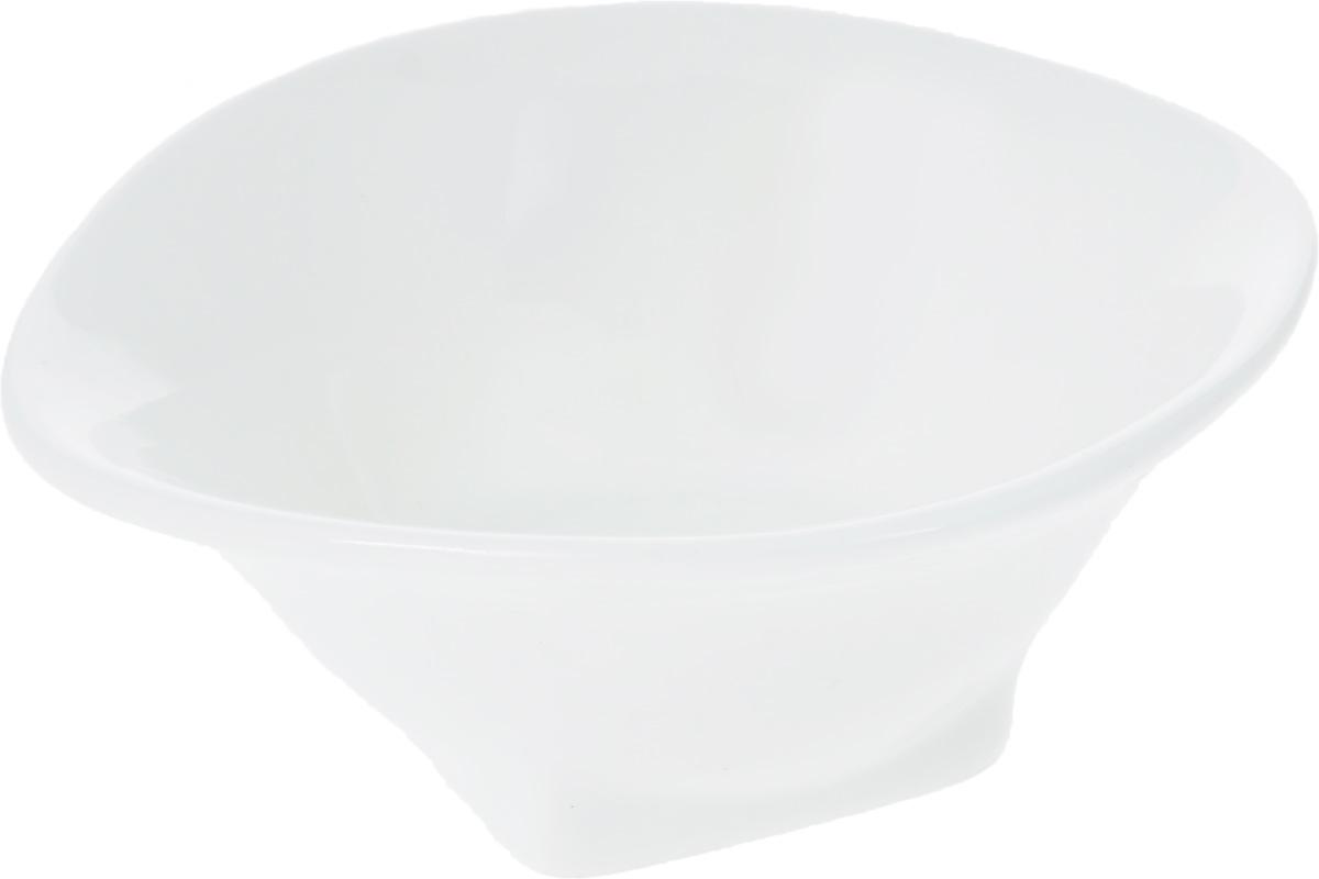 Салатник Wilmax, 10 х 8,5 смWL-992605 / AСалатник Wilmax изготовлен из высококачественного фарфора, покрытого слоем глазури. Предназначен для подачи соусов или варенья, а также некоторых видов закусок. Такой салатник пригодится в любом хозяйстве, он подойдет как для праздничного стола, так и для повседневного использования. Изделие функциональное, практичное и легкое в уходе.