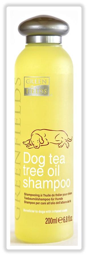 Шампунь для собак Greenfields, с маслом чайного дерева, 200 мл8718836720116Шампунь для собак с маслом чайного дерева. КОНЦЕНТРАТ. Гипоаллергенный шампунь предназначен для ухода за собаками всех пород, зараженными эктопаразитами (блохами); подходит как взрослым, так и щенкам. Сбалансированный рН не допускает пересушивания кожи и волос. Шампунь обладает антибактериальным и регенерирующим эффектами, снимает раздражение и зуд от укусов блох. Благодаря отсутствию сульфатов легко и быстро смывается. Придает шерсти вашего питомца здоровый вид и блеск. В состав входит масло чайного дерева ? природный антисептик с ранозаживляющим действием, оздоравливающий кожу. Гидролизированный протеин шелка питает и увлажняет волос, препятствует дальнейшей потере влаги, образуя защитную пленку, как при использовании бальзама-кондиционера. Уникальный компонент шампуня ? секрет копчиковой железы лебедя, обеспечивающий мягкое расчесывание, отсутствие колтунов, эластичность и дополнительную защиту от негативного воздействия окружающей среды. Компоненты раковины моллюсков насыщают...