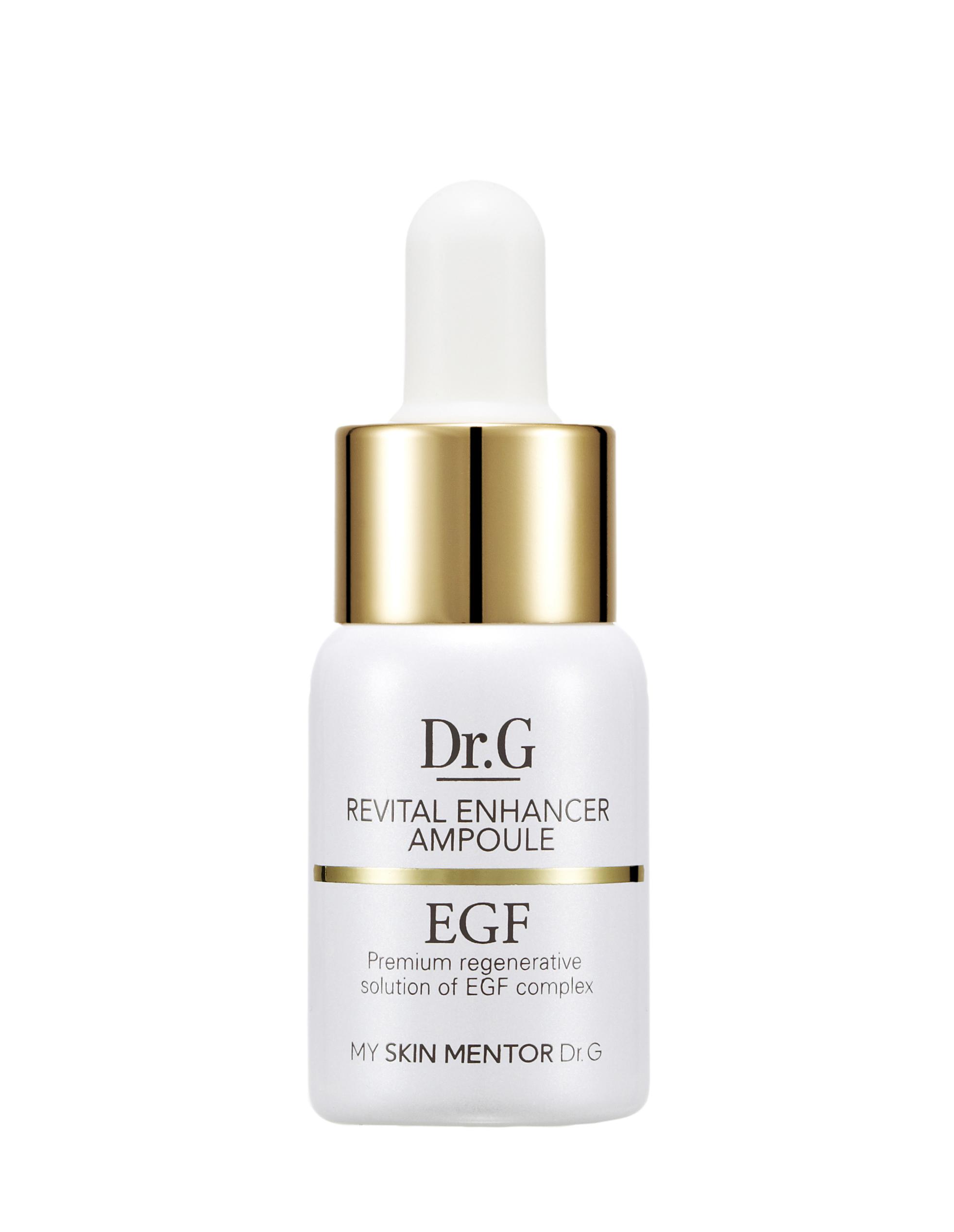 Dr. G Премиальная ампула-сыворотка с EGF Revital Inhancer , 12 млDG139422В основе сыворотки - EGF (то есть эпидермальный фактор роста клеток), ферментированный экстракт лактобактерий, аскорбил глюкозид, сок бамбука, экстракт центеллы азиатской. EGF замедляет процессы старения, нормализует состояние капилляров. За открытие EGF, то есть фактически за открытие новой эры в развитии биологической науки, приблизившей человечество к мечте об остановке процессов старения, была присуждена Нобелевская премия. Ферментированный экстракт лактобактерий обладает антимикробным действием, защищает от негативного влияния факторов окружающей среды, повышает способность клеток к регенерации. Аскорбил глюкозид осветляет общий тон кожи, освежая безжизненную дерму, уменьшает пигментацию. Сок бамбука обладает отличным очищающим и заживляющим эффектом, укрепляет мышцы и подтягивает контуры. Экстракт центеллы азиатской приводит в норму уровень давление клеточного содержимого на стенки, что позволяет коже сохранять эластичность. Для одной процедуры достаточно всего 1-2 капель...